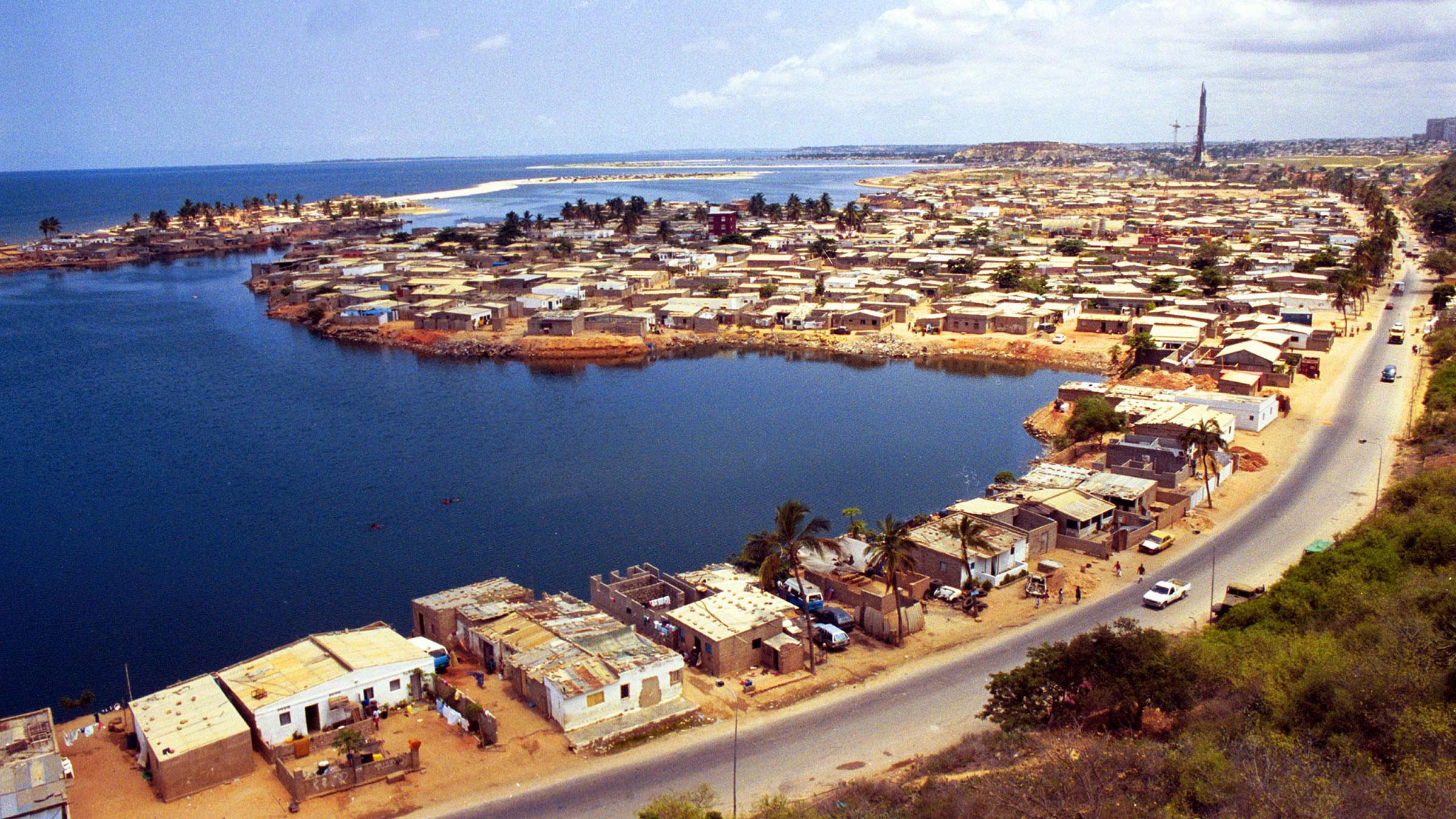 Angola Oil 10222012