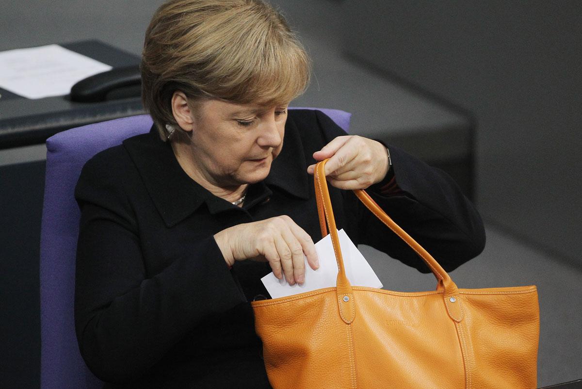 Merkel Purse 10242012