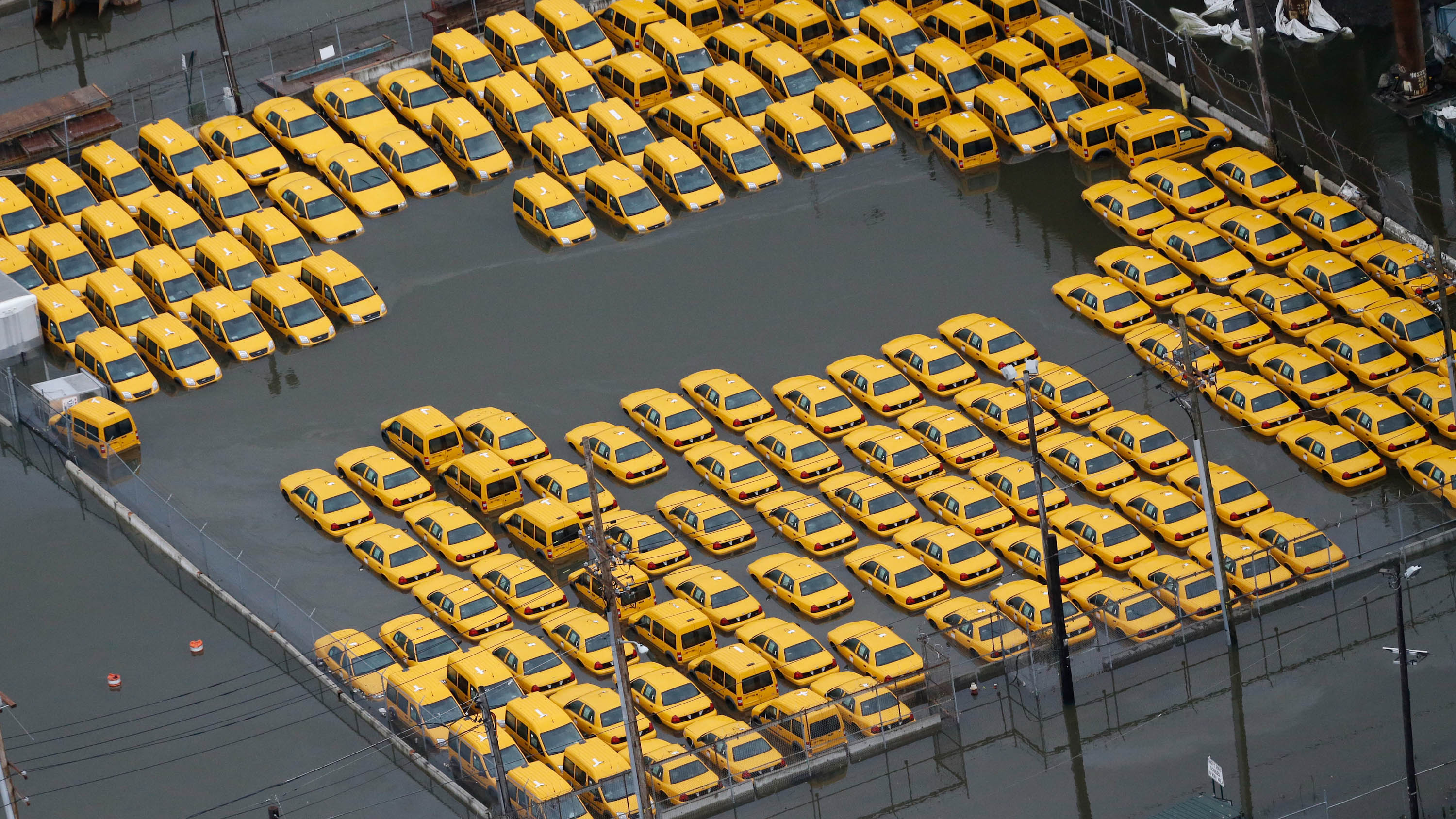 Submerged Taxis