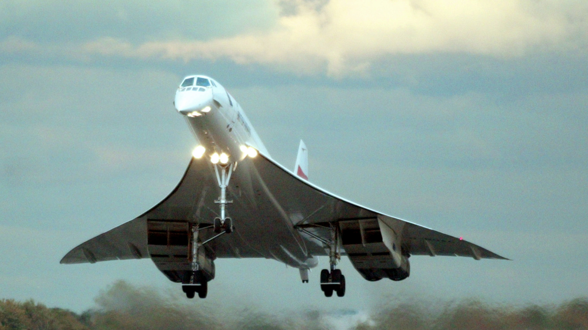 The last British Air Concorde flight to land at New York's John F. Kennedy Airport comes in for a landing on Oct. 23, 2003.