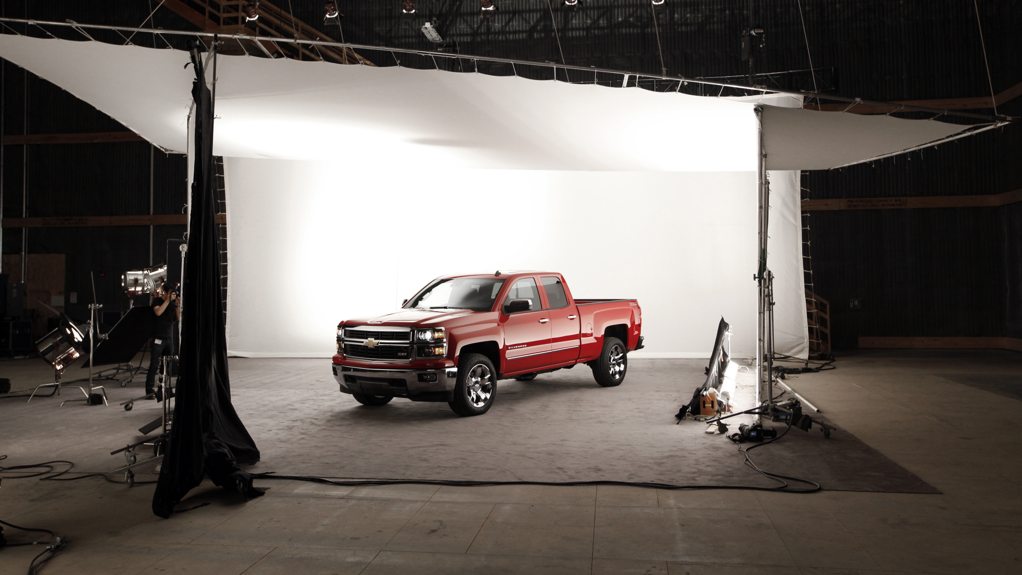 The 2014 Chevrolet Silverado Z71 debuts in Pontiac, Mich., Thursday, Dec. 13, 2012. General Motors unveiled the new versions of its top-selling Silverado and GMC Sierra Thursday. The models roll into a market where truck sales are growing after a five-year slump. (AP Photo/Paul Sancya)