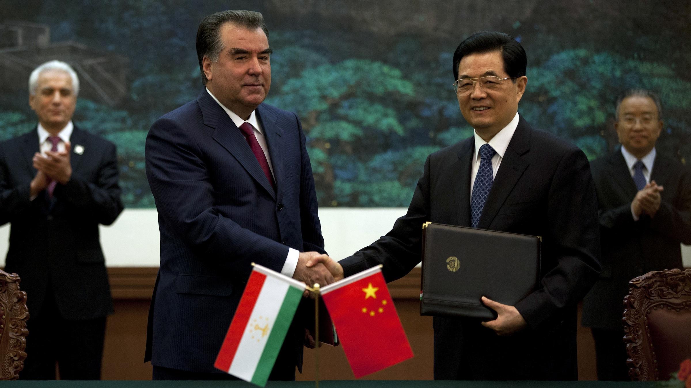 Tajikistan president Emomali Rakhmon and Chinese president Hu Jintao