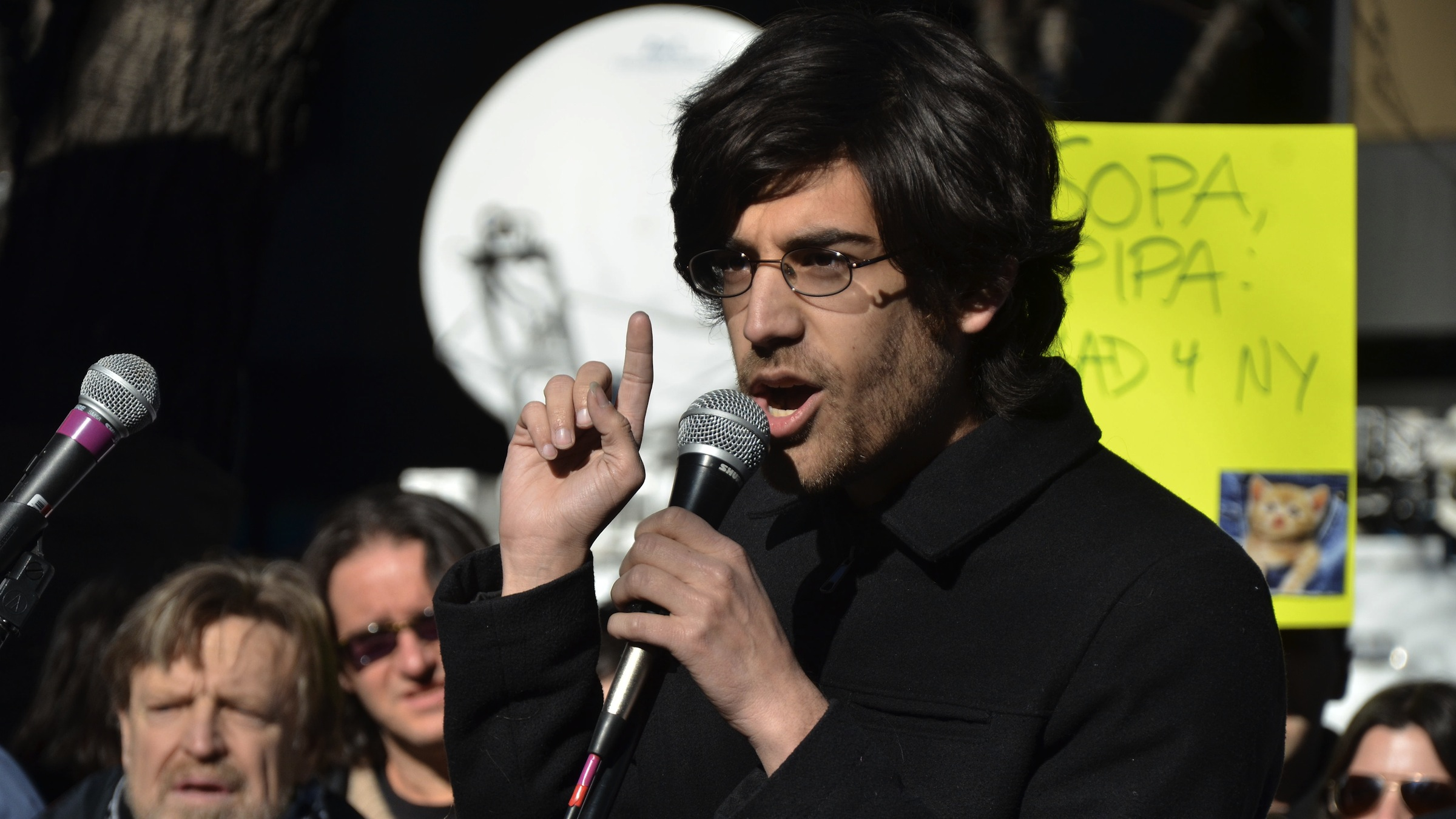 Aaron Swartz speaking at a rally against the Stop Online Piracy Act (SOPA) in January 2012.