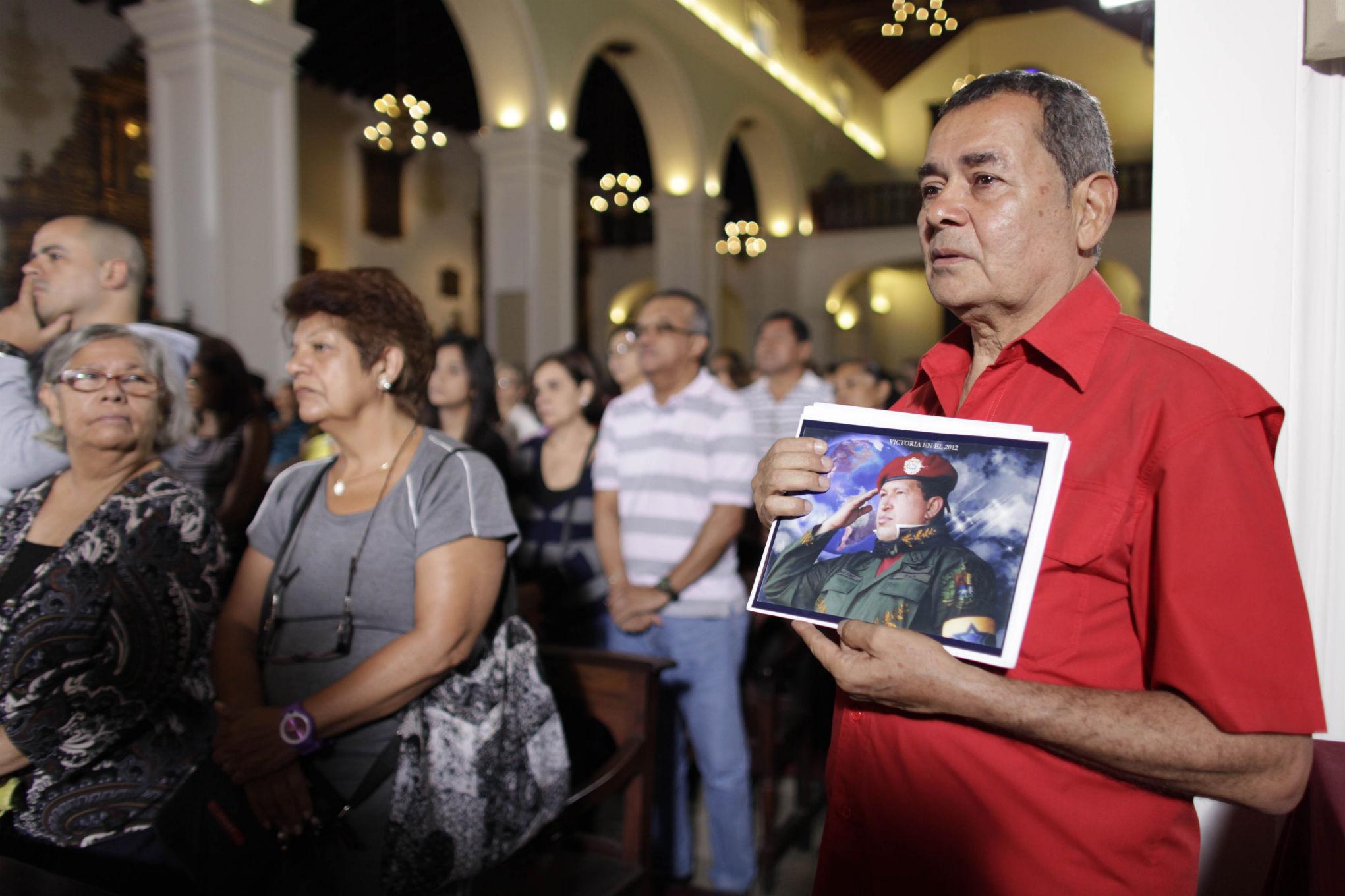 People praying for the life of Hugo Chavez