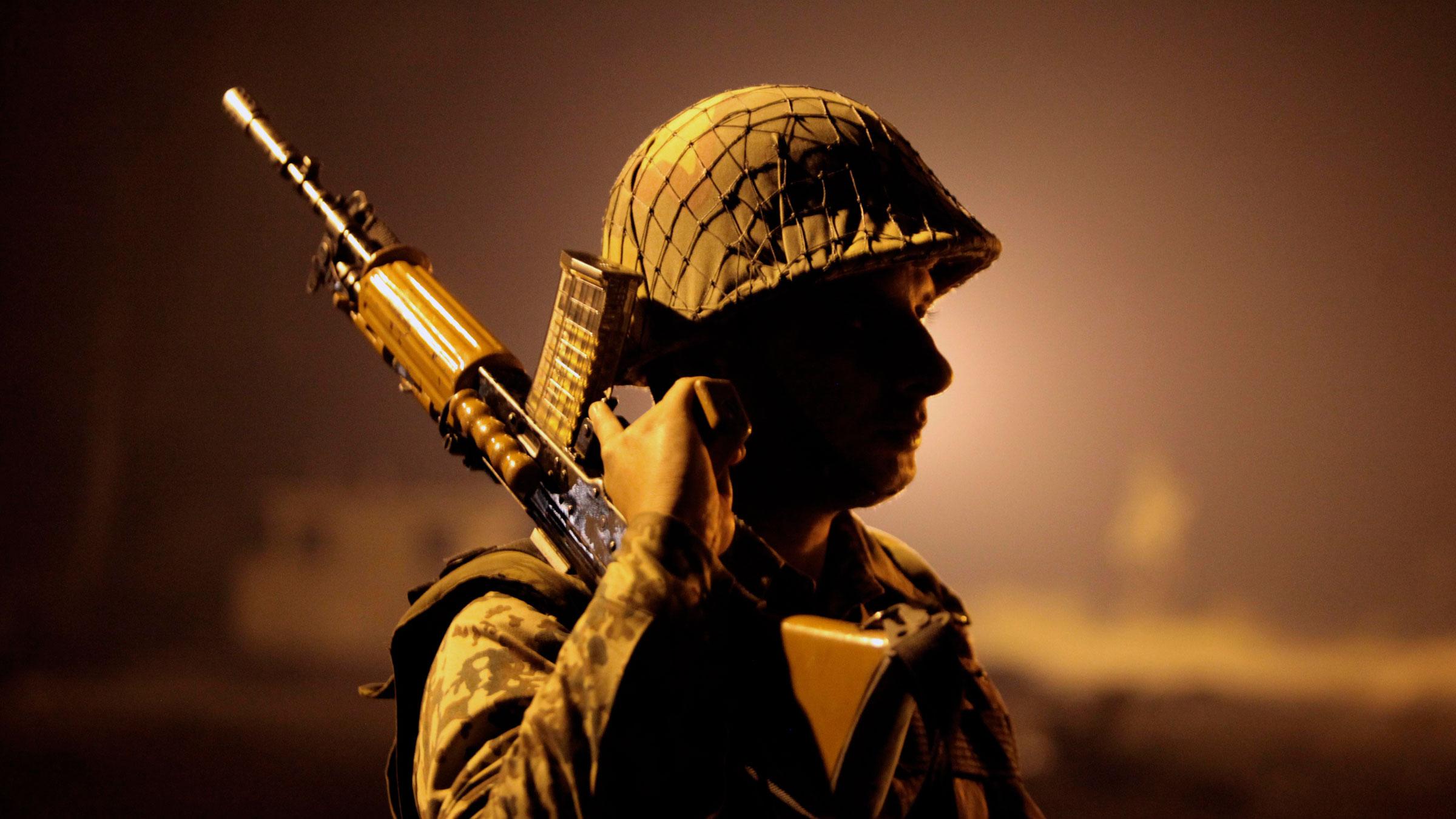 india border soldier