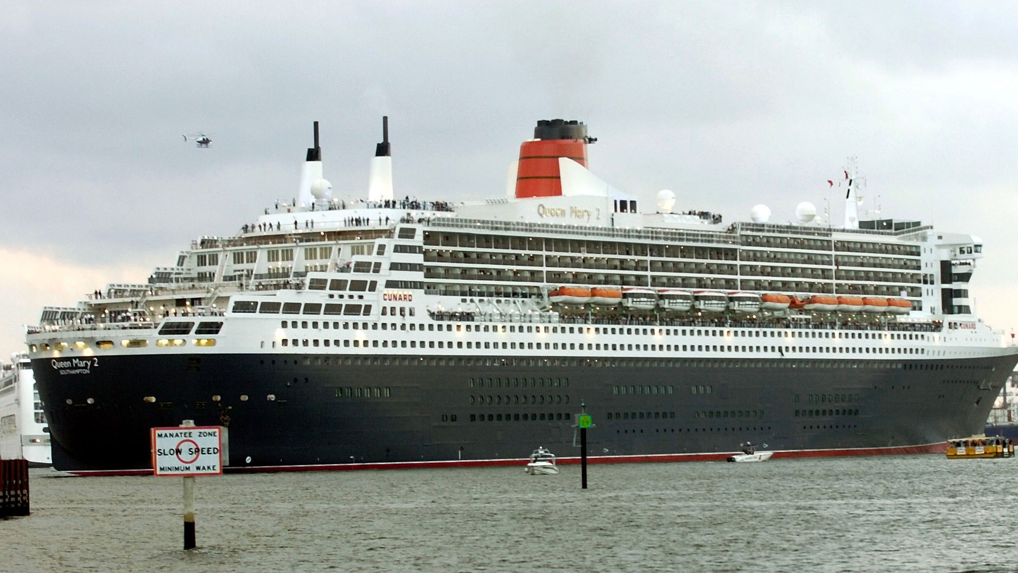 Queen Mary 2 and norovirus
