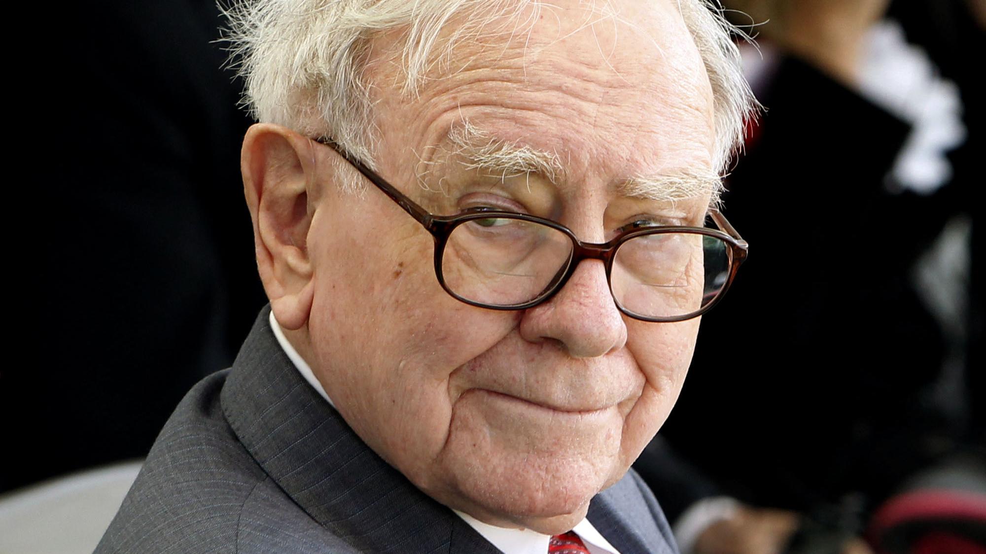 warren buffett investor letter economy