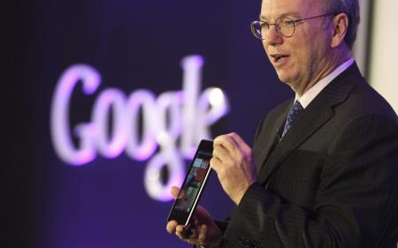 Eric Schmidt with Nexus 7 tablet