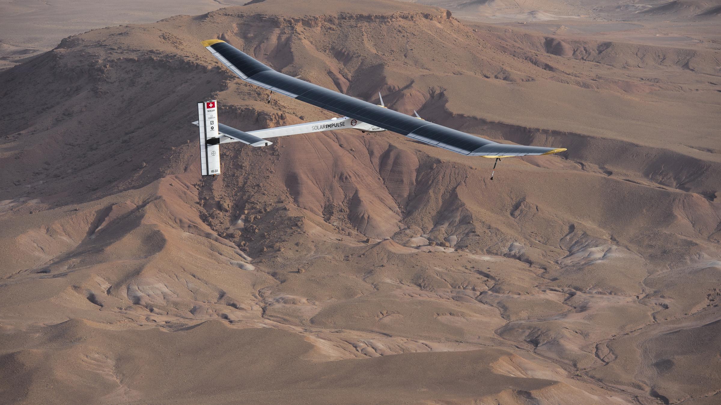Solar impulse piloté par andré Borschberg a decolé ce matin de l'aeroport de Ourazazate à destinationn de Rabat.