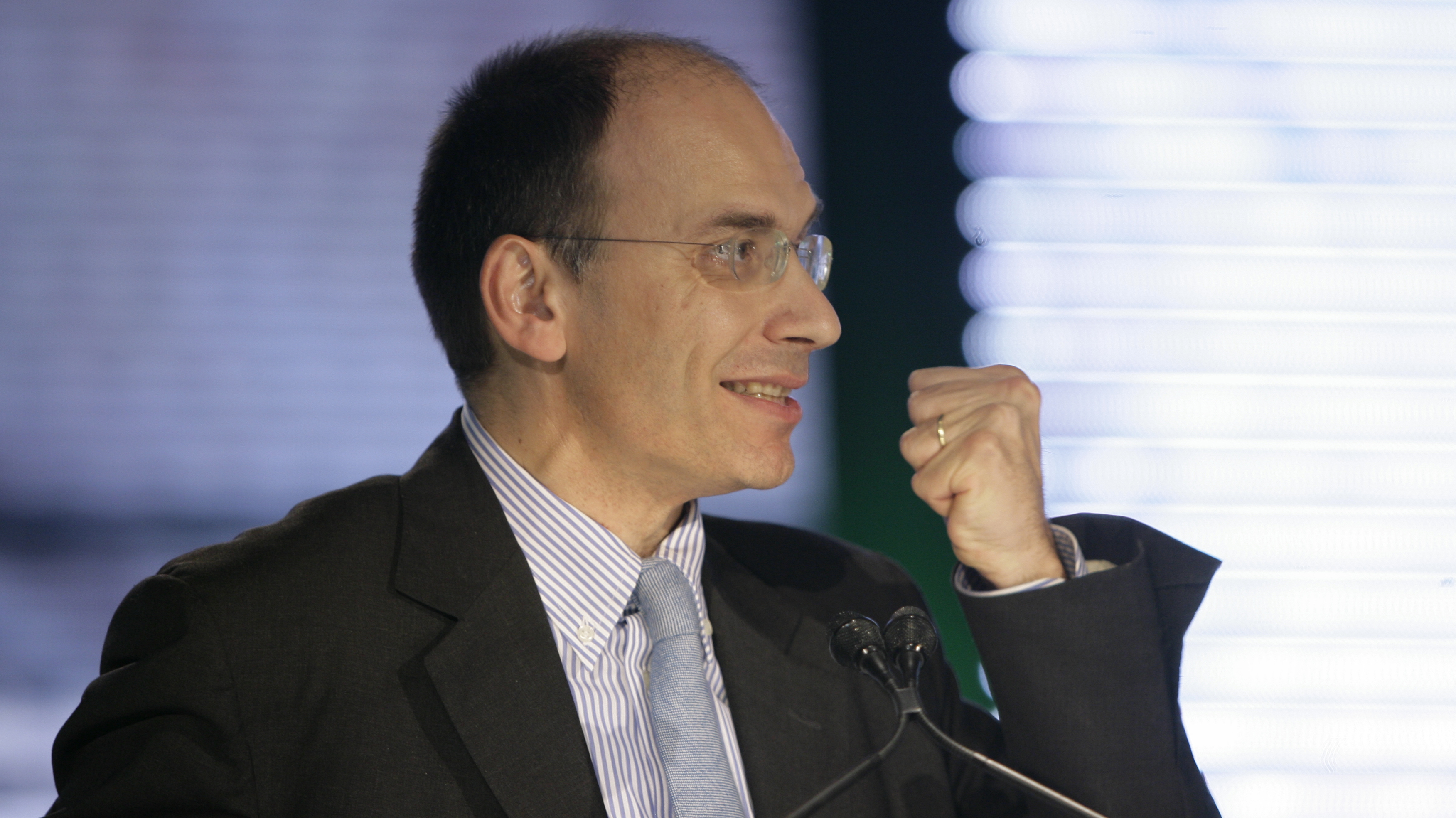 Enrico Letta during the first PD (Democtratic Party) meeting in Milan, Italy, Saturday, Oct.27,2007. (AP Photo/Luca Bruno)