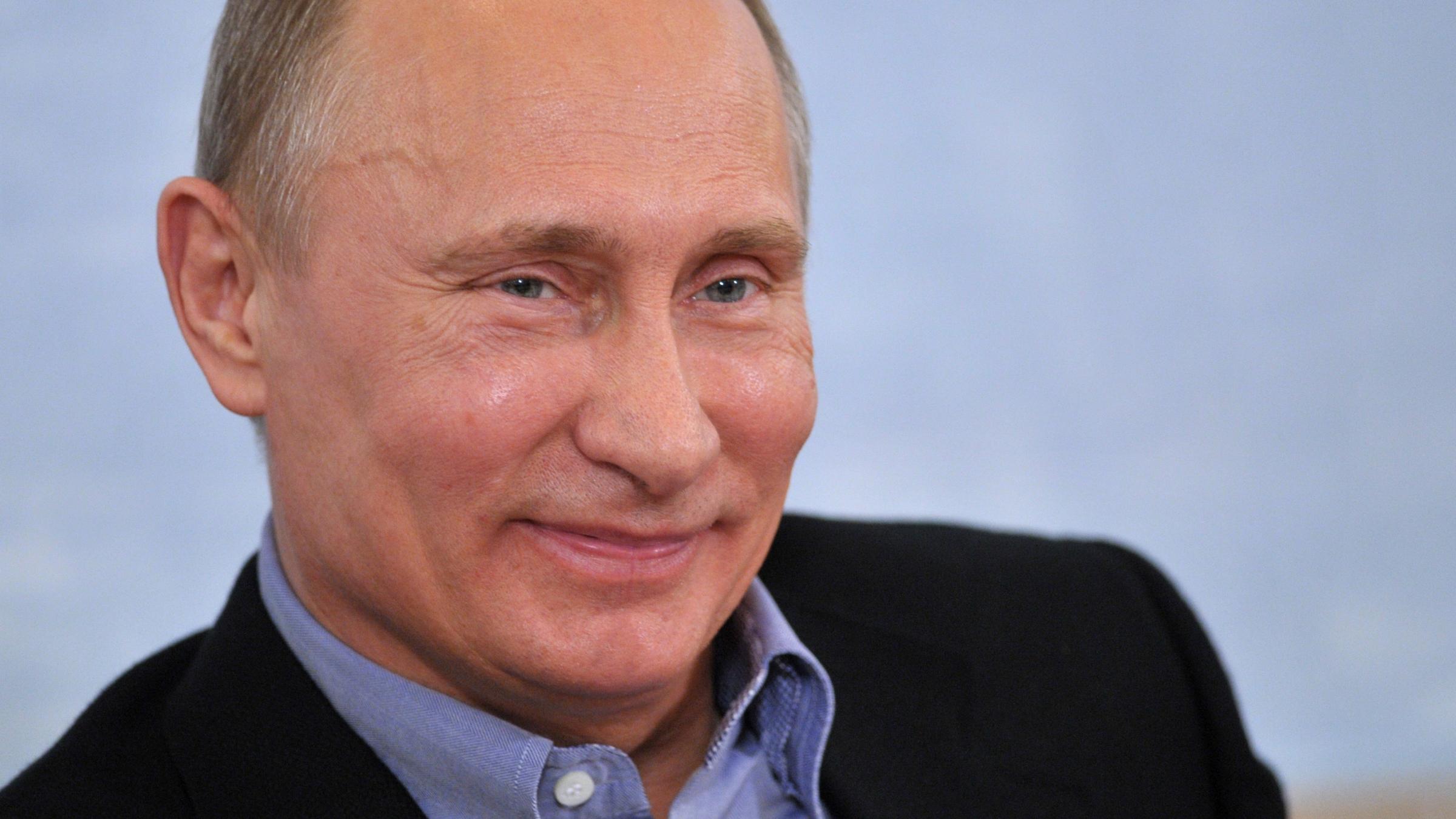 Putin S Friends Now Own 88 Of Russia S Facebook Quartz