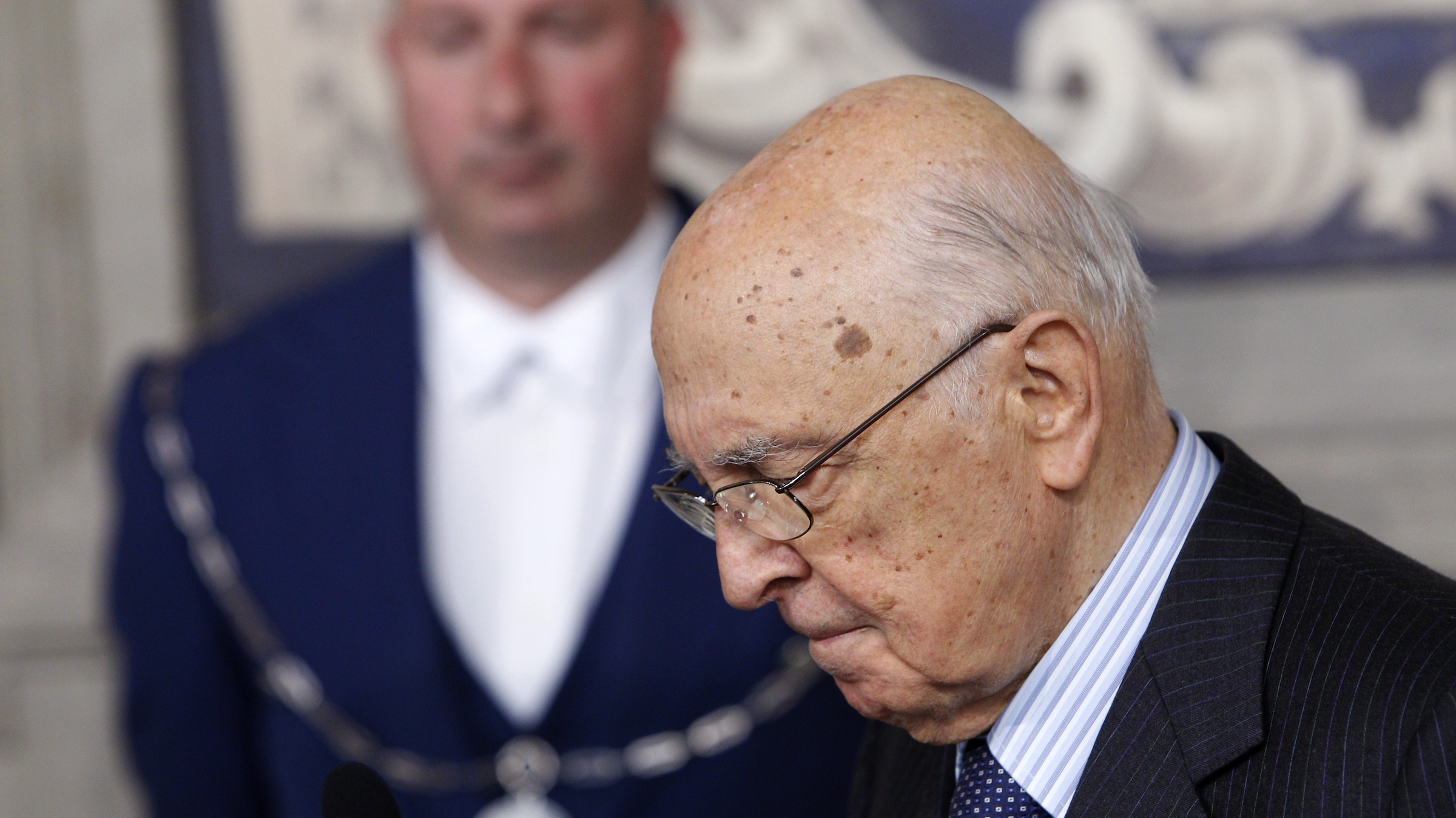 Italian President Giorgio Napolitano meets reporters at the Quirinale presidential palace in Rome, Saturday, March 30, 2013. Napolitano announced he's asked outside advisers to help him end the political gridlock that has prevented the formation of a government more than a month after inconclusive elections. (AP Photo/Riccardo De Luca)