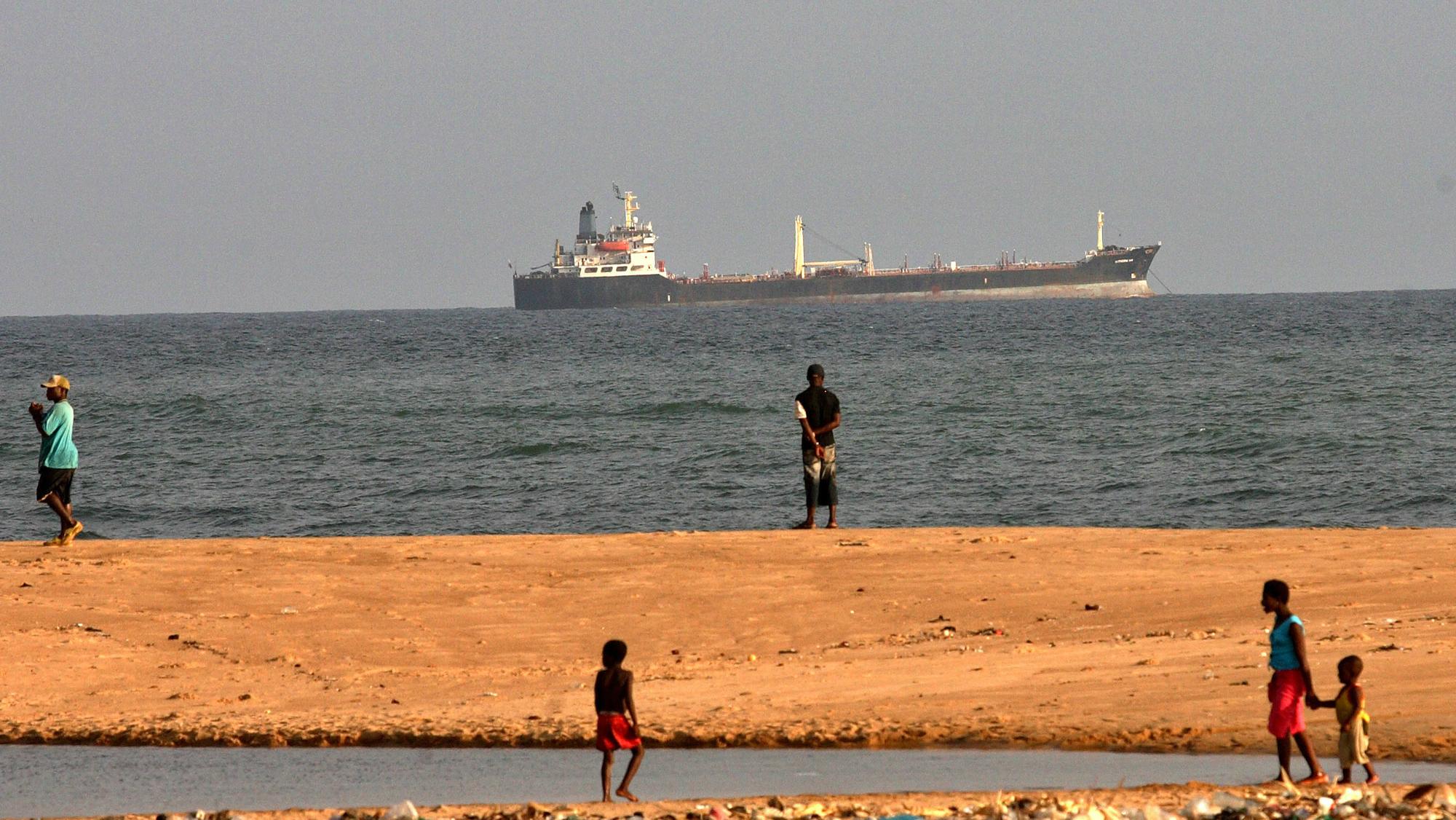 nigeria ship piracy