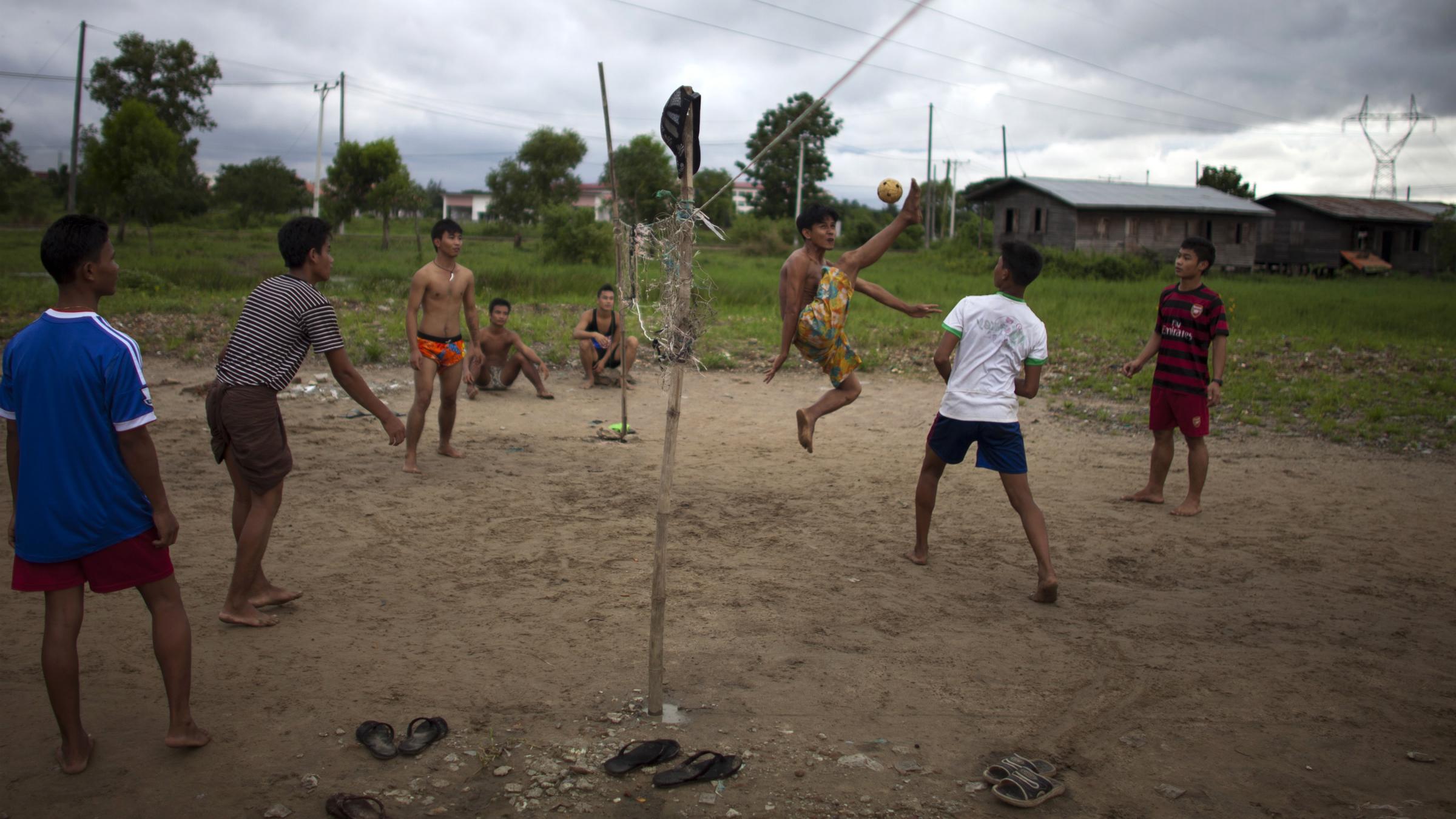 Burma game Chinlone