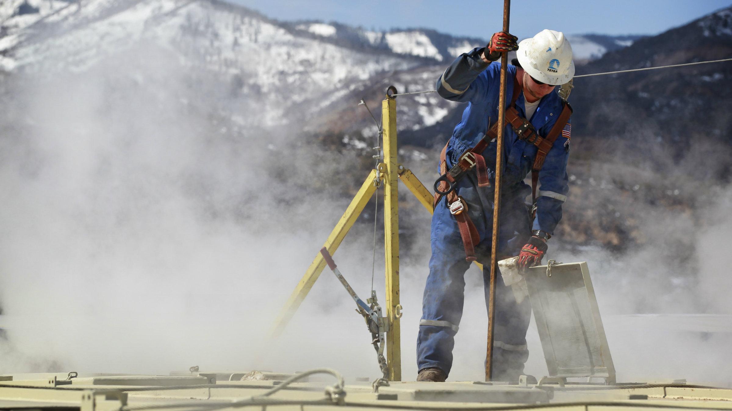 canada oil drilling