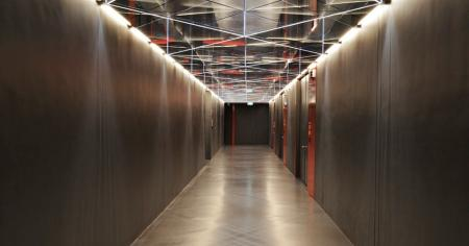 Singapore FreePort hallway