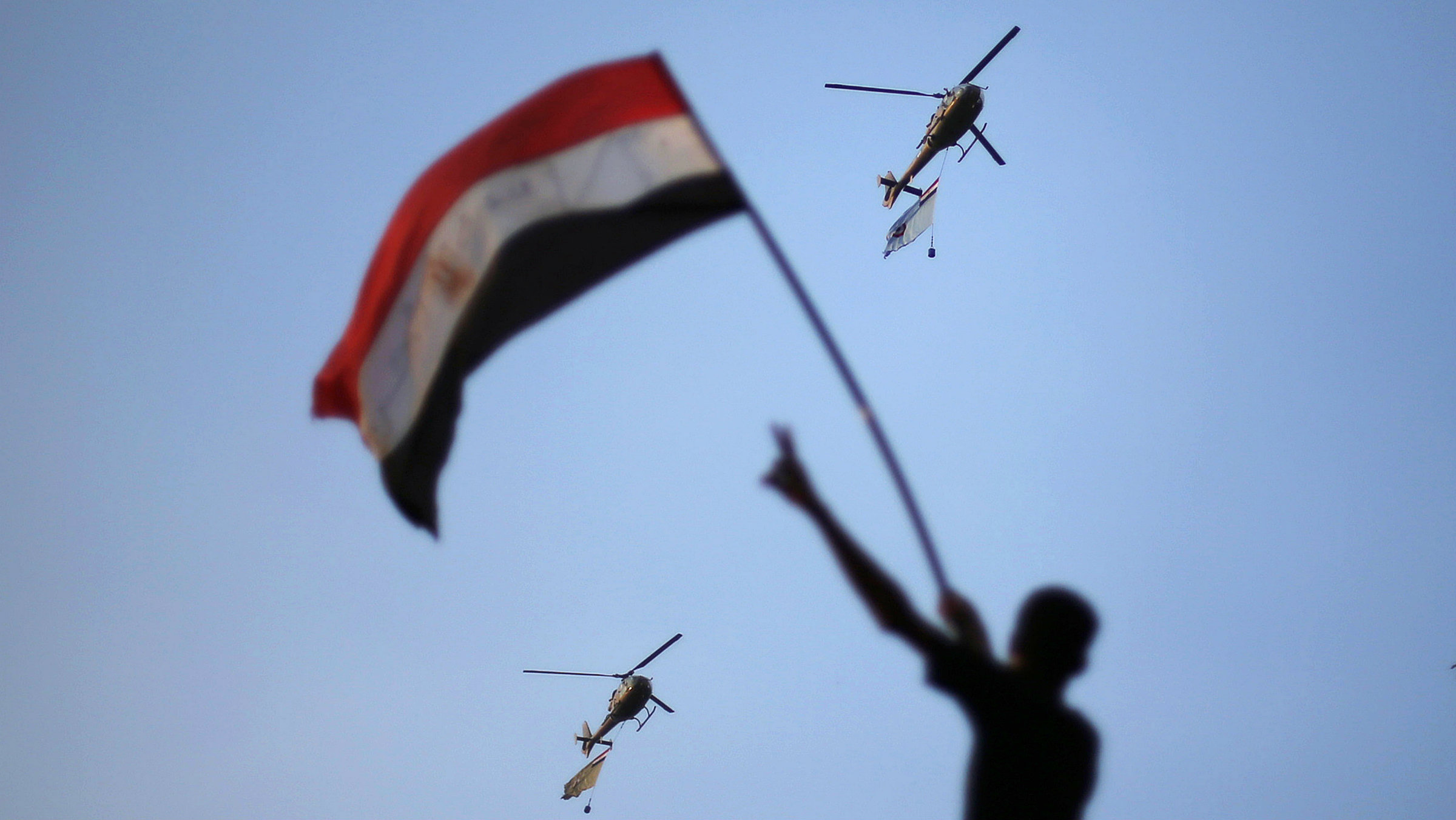Morsi is caught between these two armies.