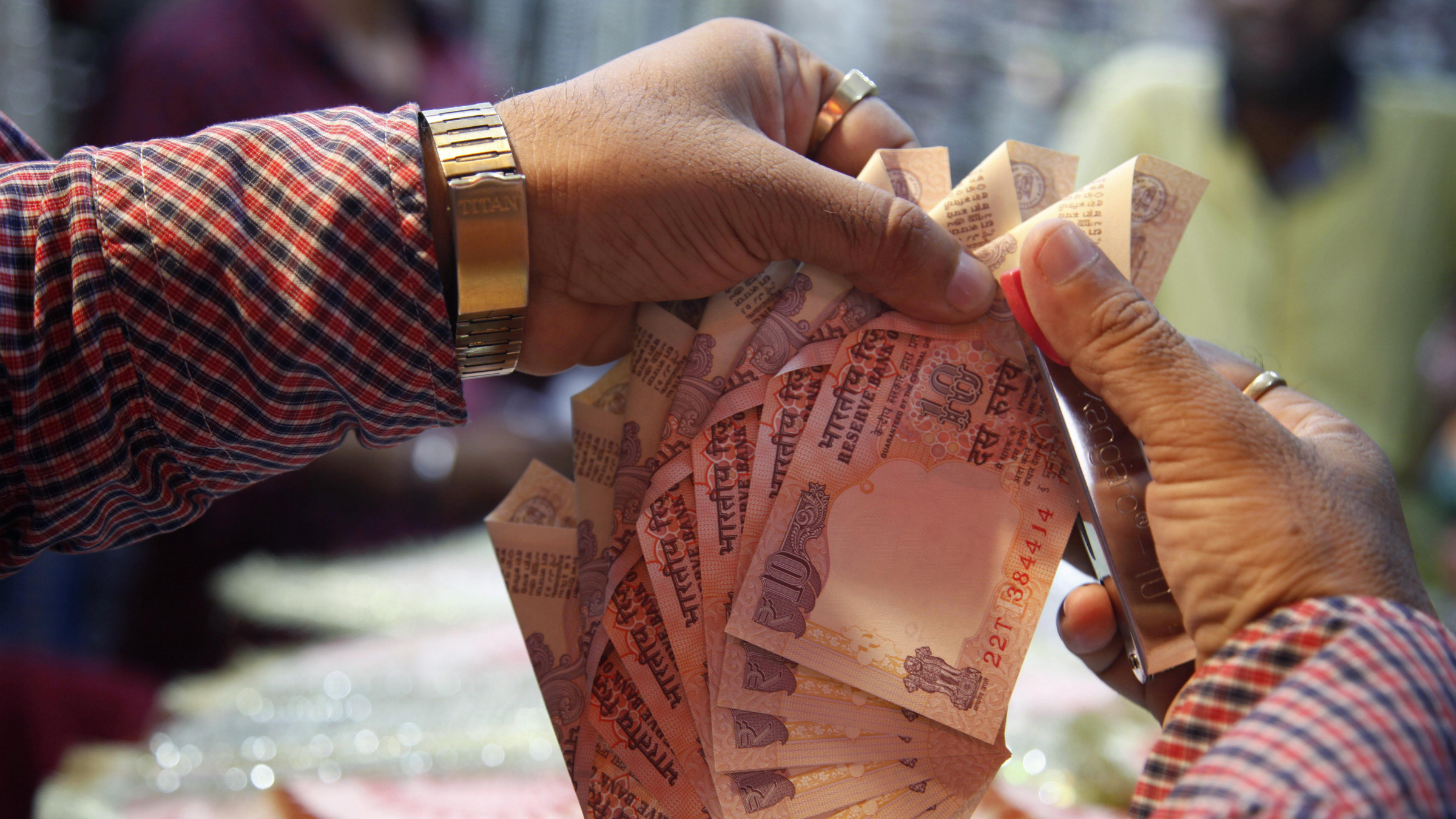 India currency crisis rupee