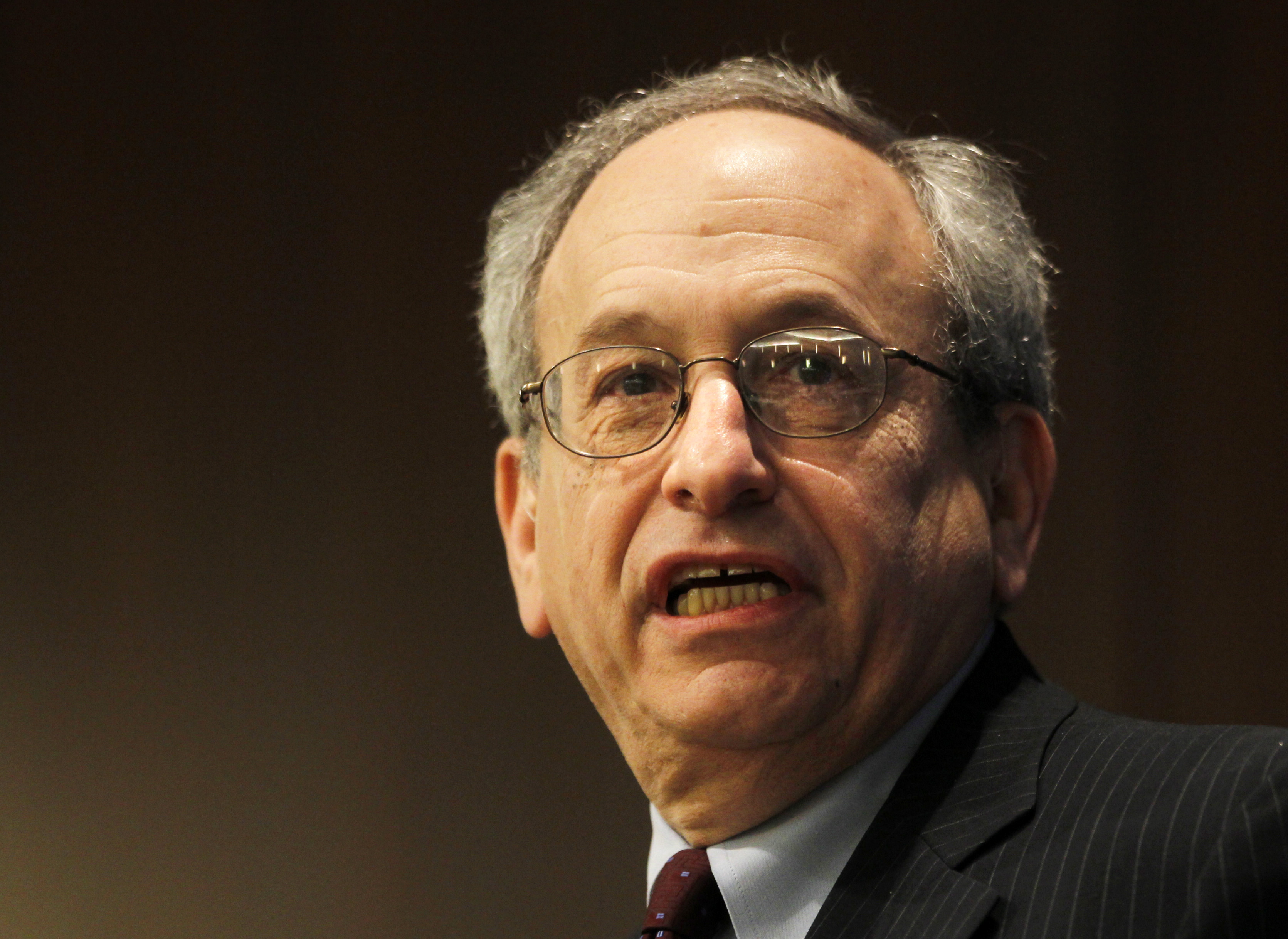 Kohn, Vice Chairman of the Board of Governors of the Federal Reserve System, speaks at the Symposium on interest rate risk management in Arlington