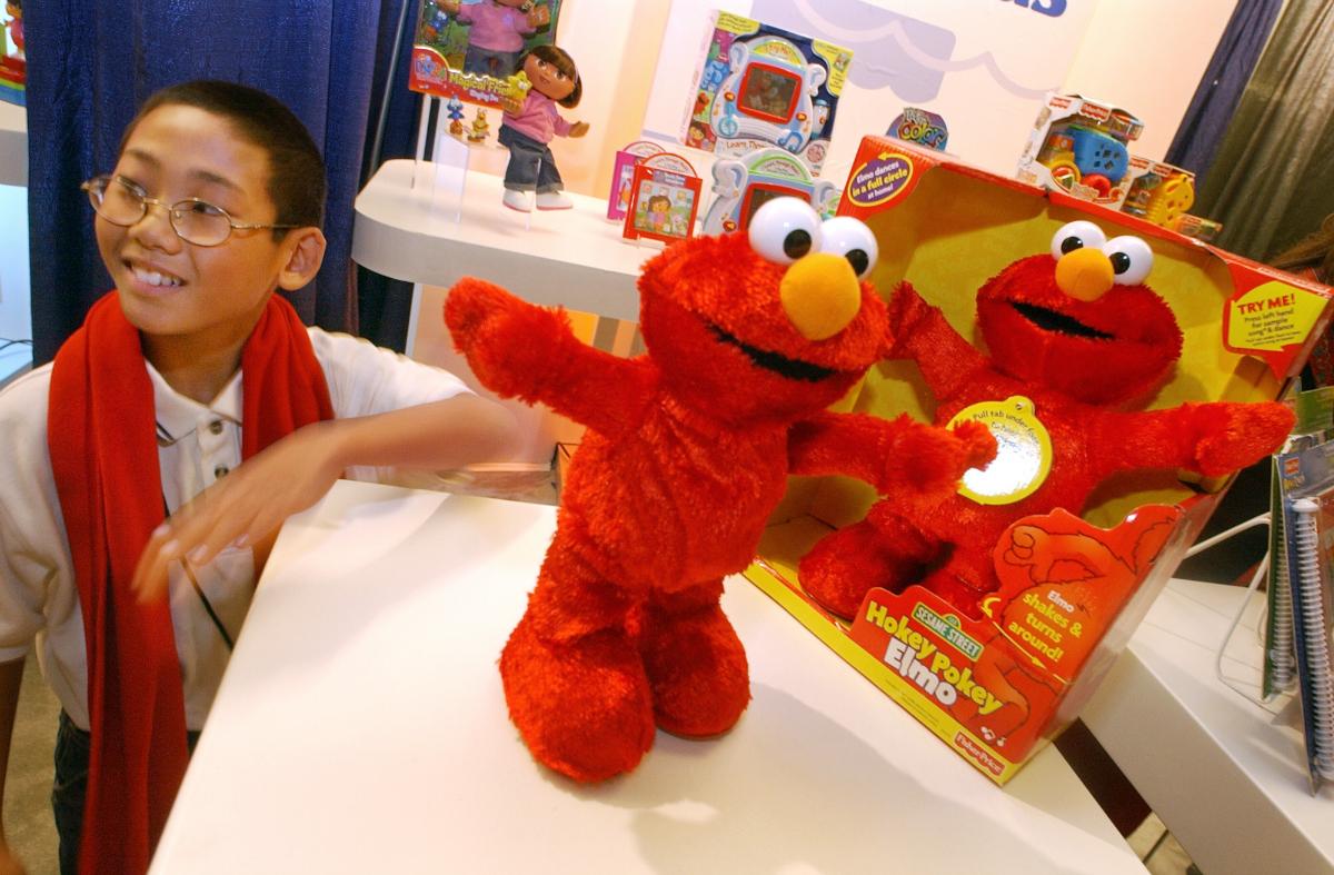 Hokey Pokey Elmo