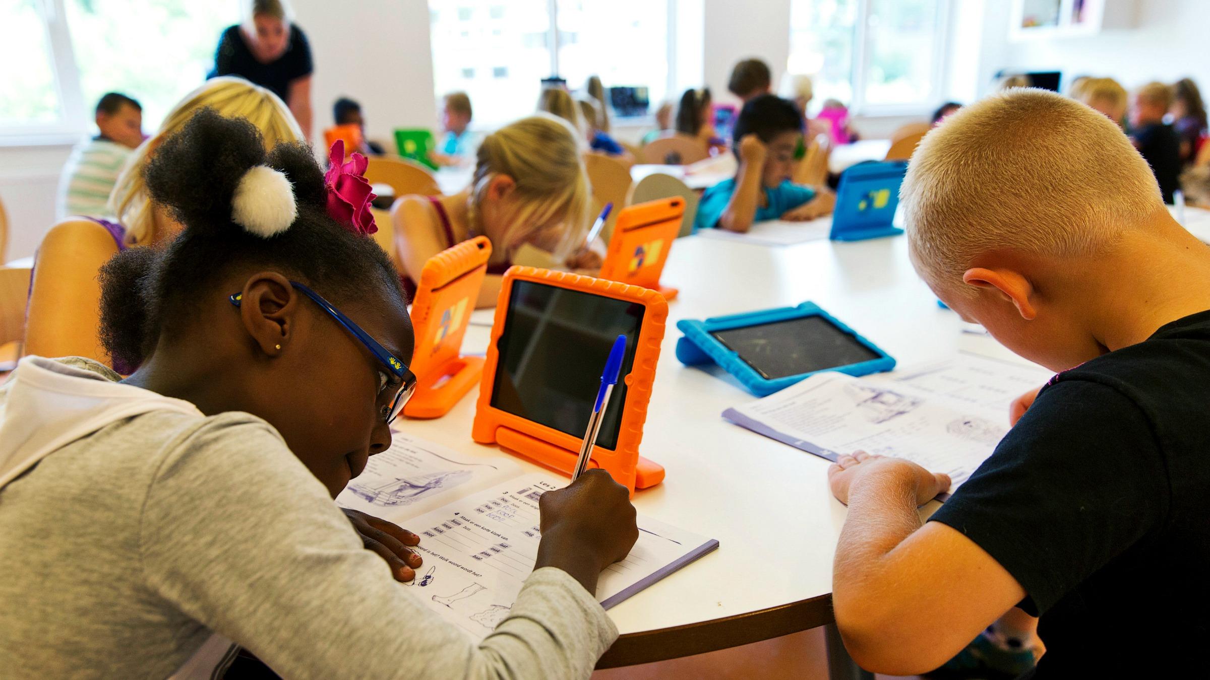 Reuters-Schools