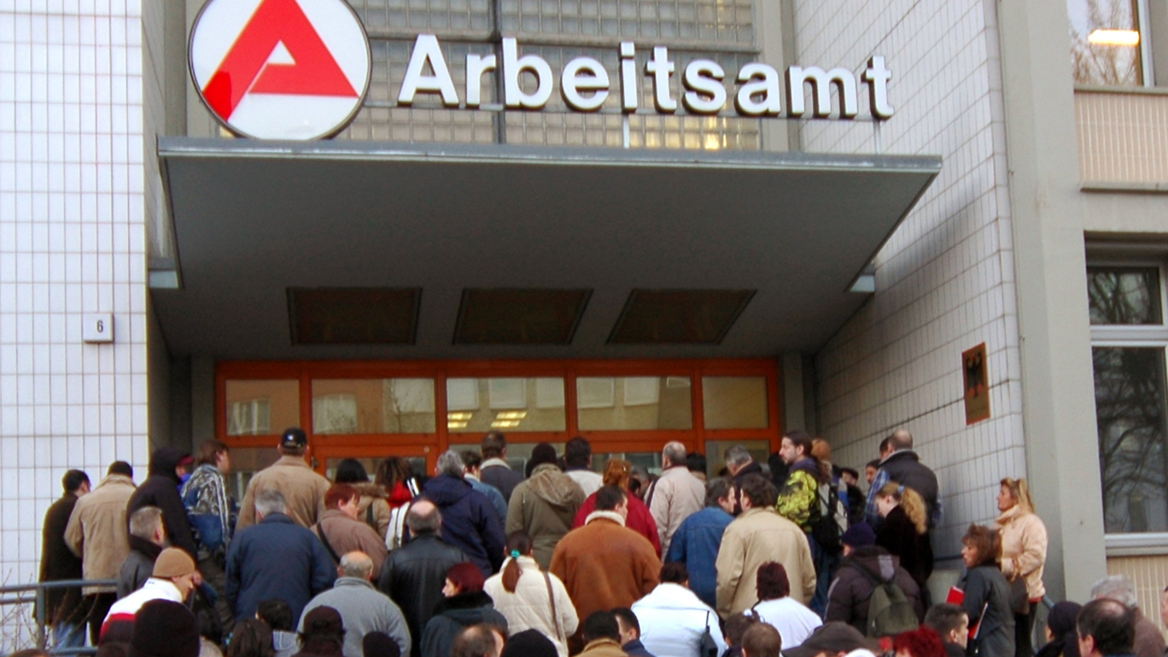 The lines are getting longer at German employment agencies.