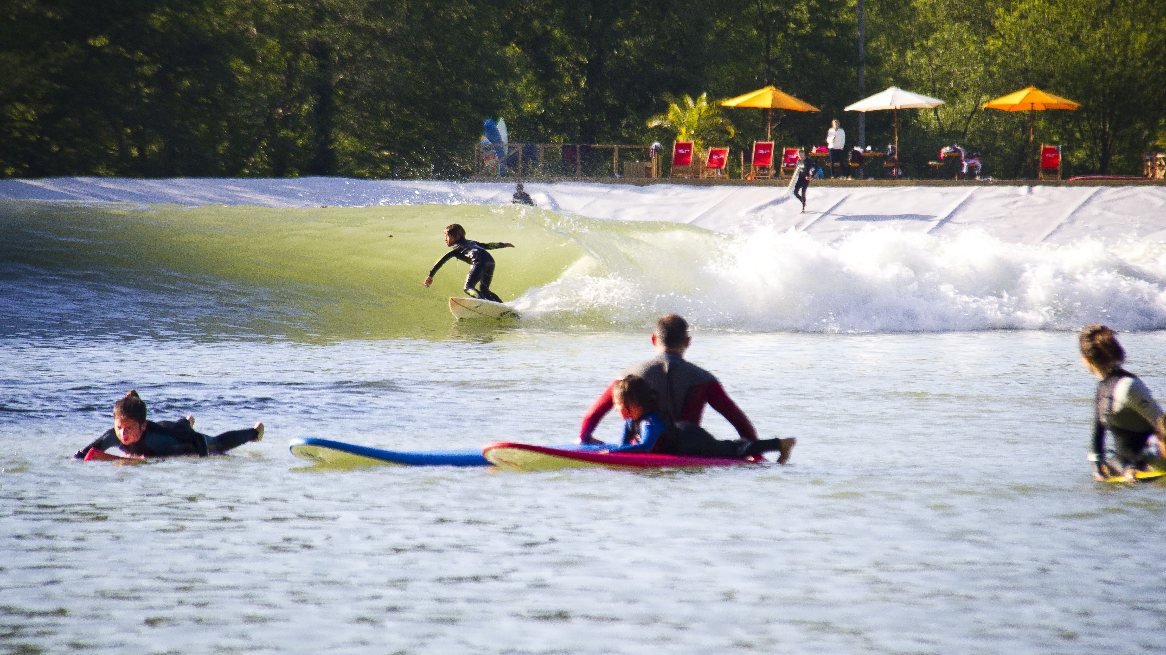 Future_surfing_star_at_Wavegarden_1