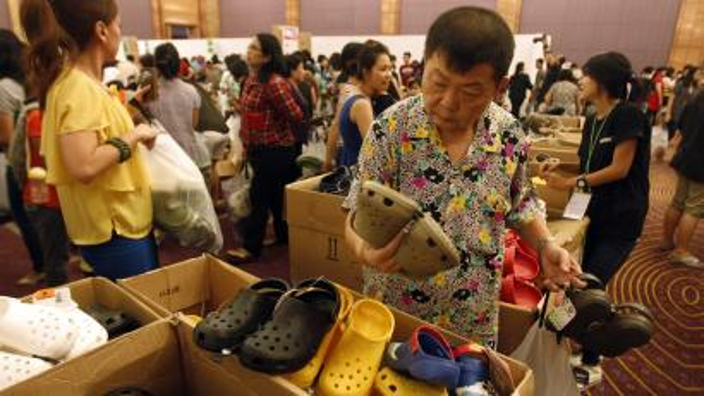 2fb56287a494 Why  200 million won t make Crocs popular again — Quartz
