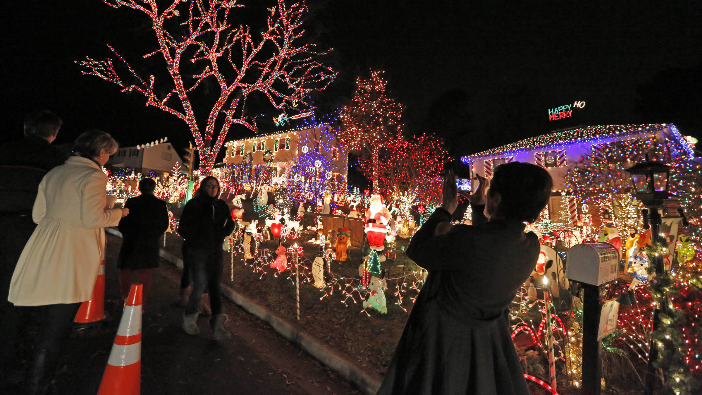 How Much Electricity Do Christmas Lights Use.The Real Magic Of Christmas How To String Lights Without A