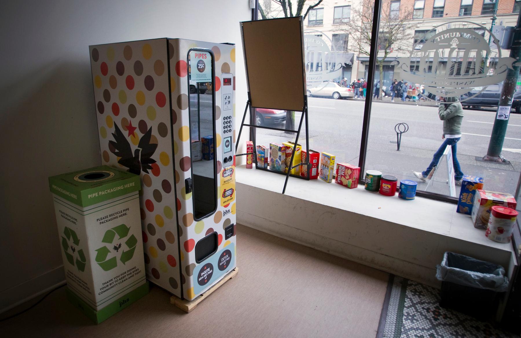 Crack pipe vending machine 2