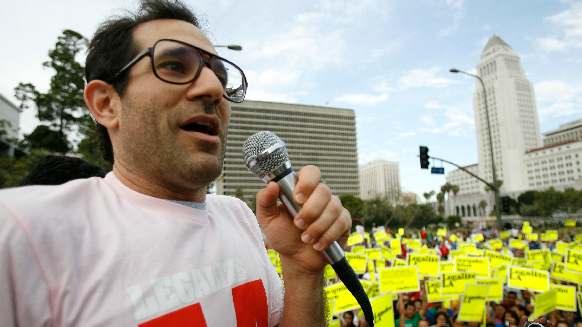 American Apparel owner Dov Charney speaks during a May Day rally protest march for immigrant rights, in downtown Los Angeles May 1, 2009. Groups of mostly Hispanic protesters waved flags and chanted in pro-immigration May Day rallies across the United States on Friday, but many of the demonstrations drew smaller numbers than in recent years.