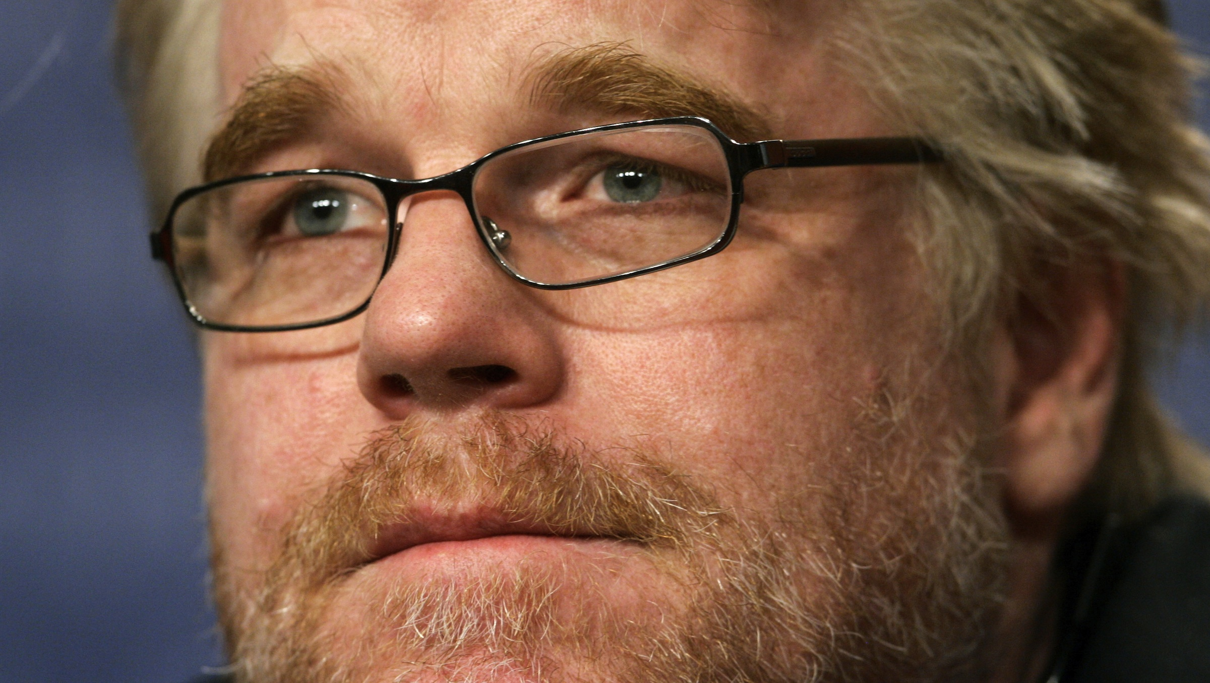 U.S. actor Philip Seymour Hoffman attends a news conference to present his film 'Capote' running out of competition at the 56th Berlinale International Film Festival in Berlin February 17, 2006. The festival runs from February 9-19. REUTERS/Arnd Wiegmann - RTR1B6SR