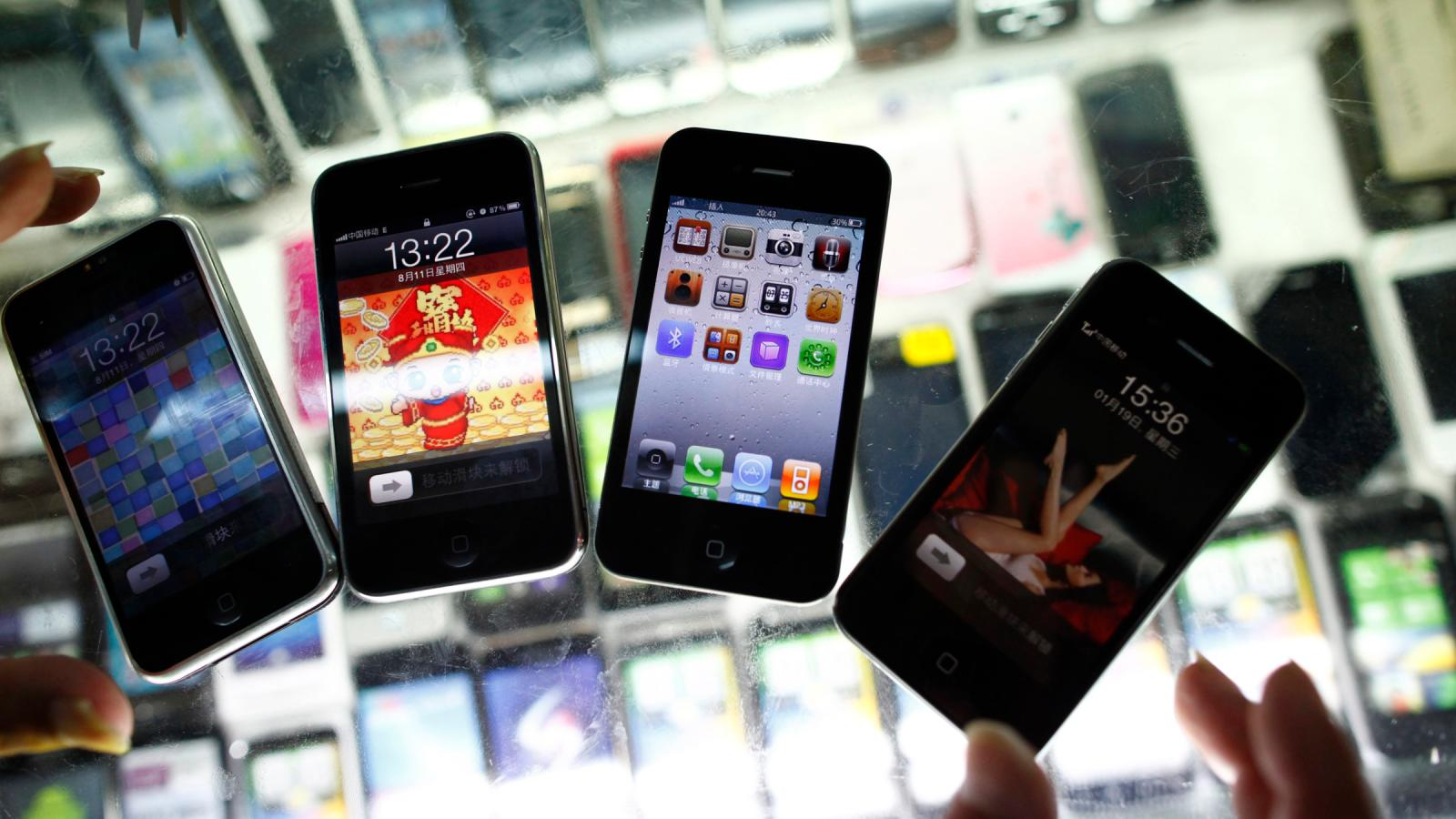 That fake iPhone is probably full of lead — Quartz