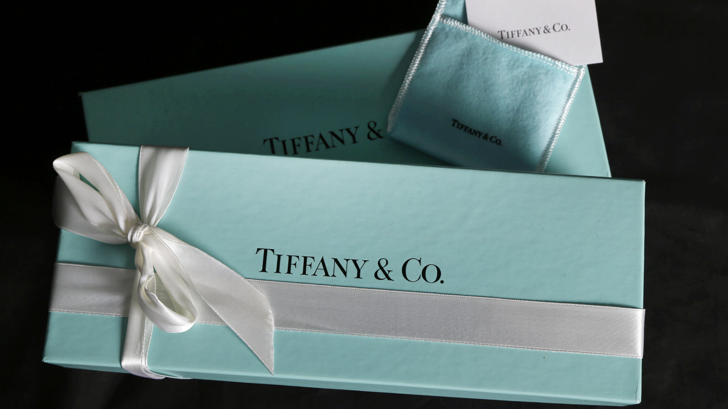 bf41606a07b Tiffany's blue boxes are red hot on the black market — Quartz