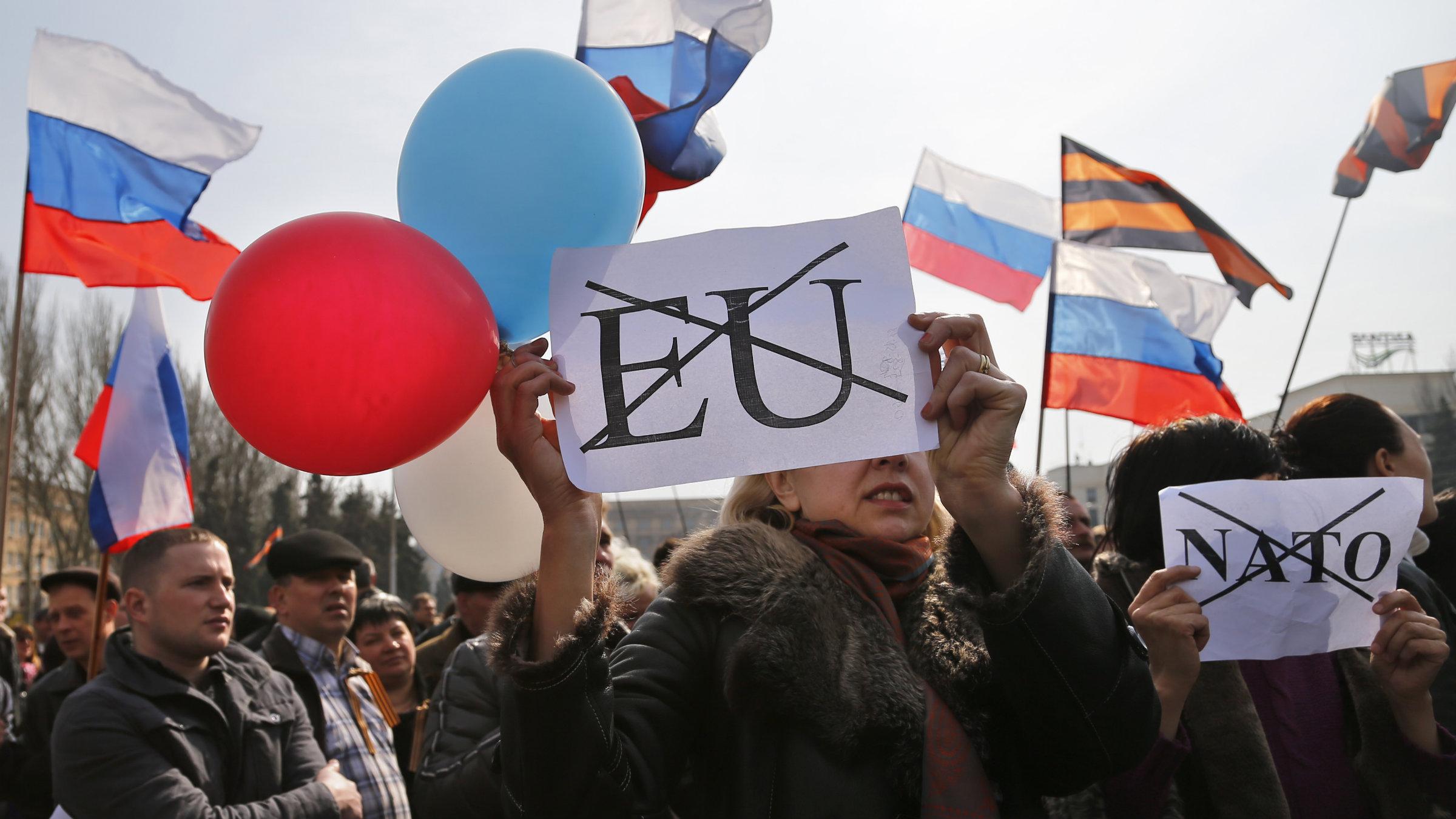 Ukraine demonstrators against EU