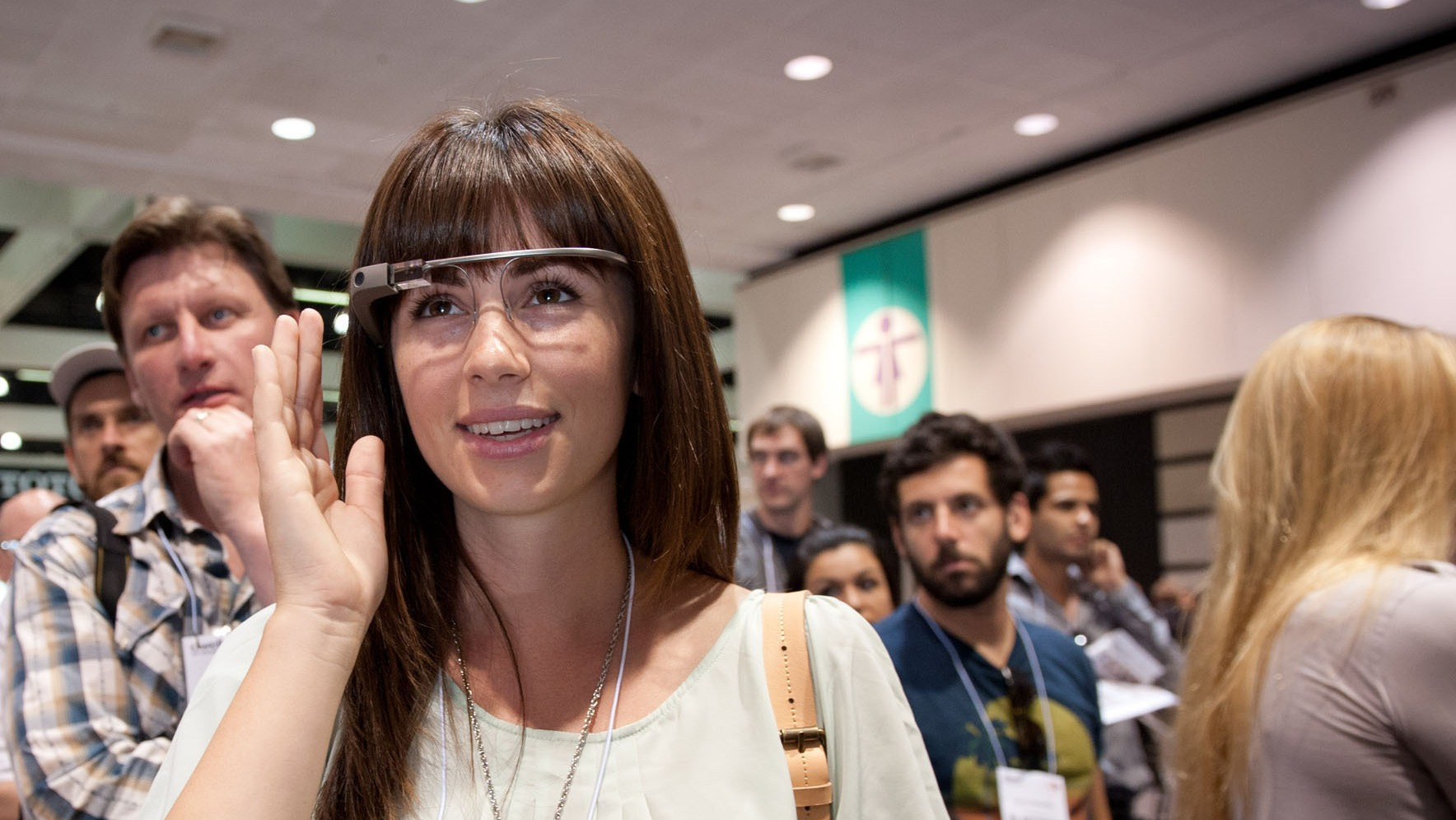 Dwell on Design is back as a laboratory for innovation and inspiration. Last year hundreds of attendees tried on Google Glass. It was the first time they had been made available to the public. This year Dwell launches the Tech Zone filled with cutting edge smart home technology.  (PRNewsFoto/Dwell on Design) THIS CONTENT IS PROVIDED BY PRNewsfoto and is for EDITORIAL USE ONLY**