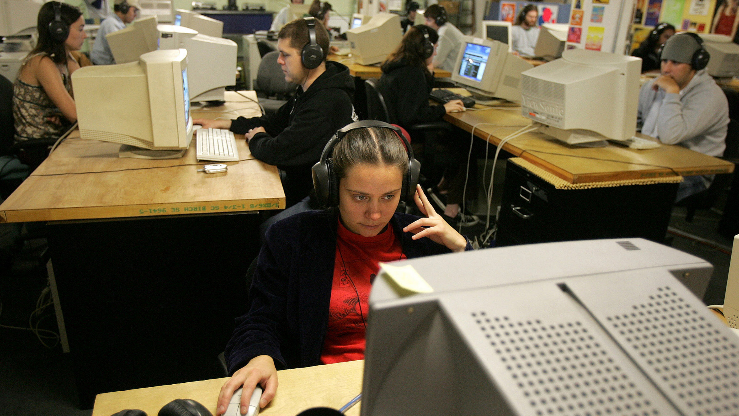 The complete guide to listening to music at work — Quartz