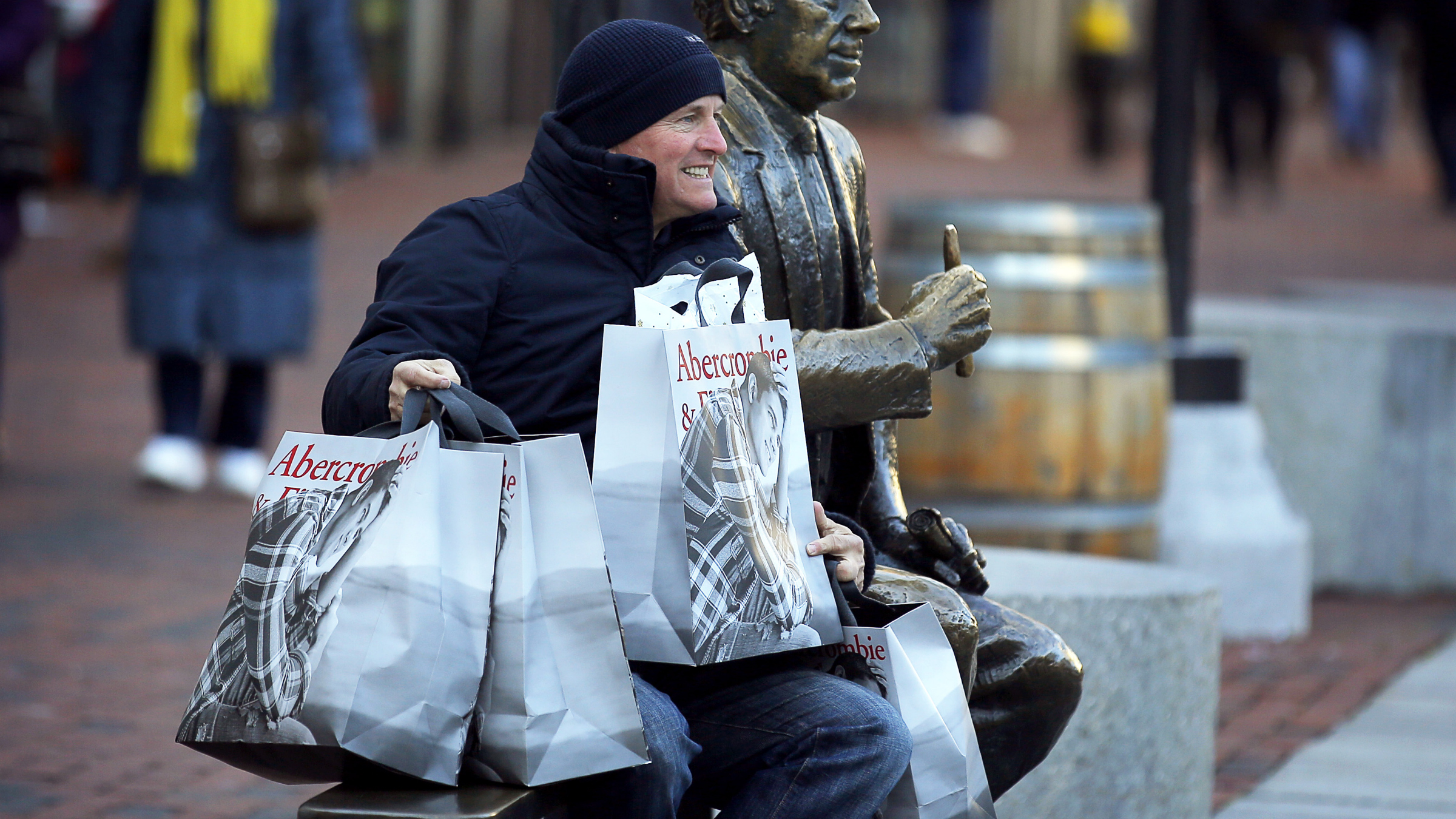 Man shopping bags