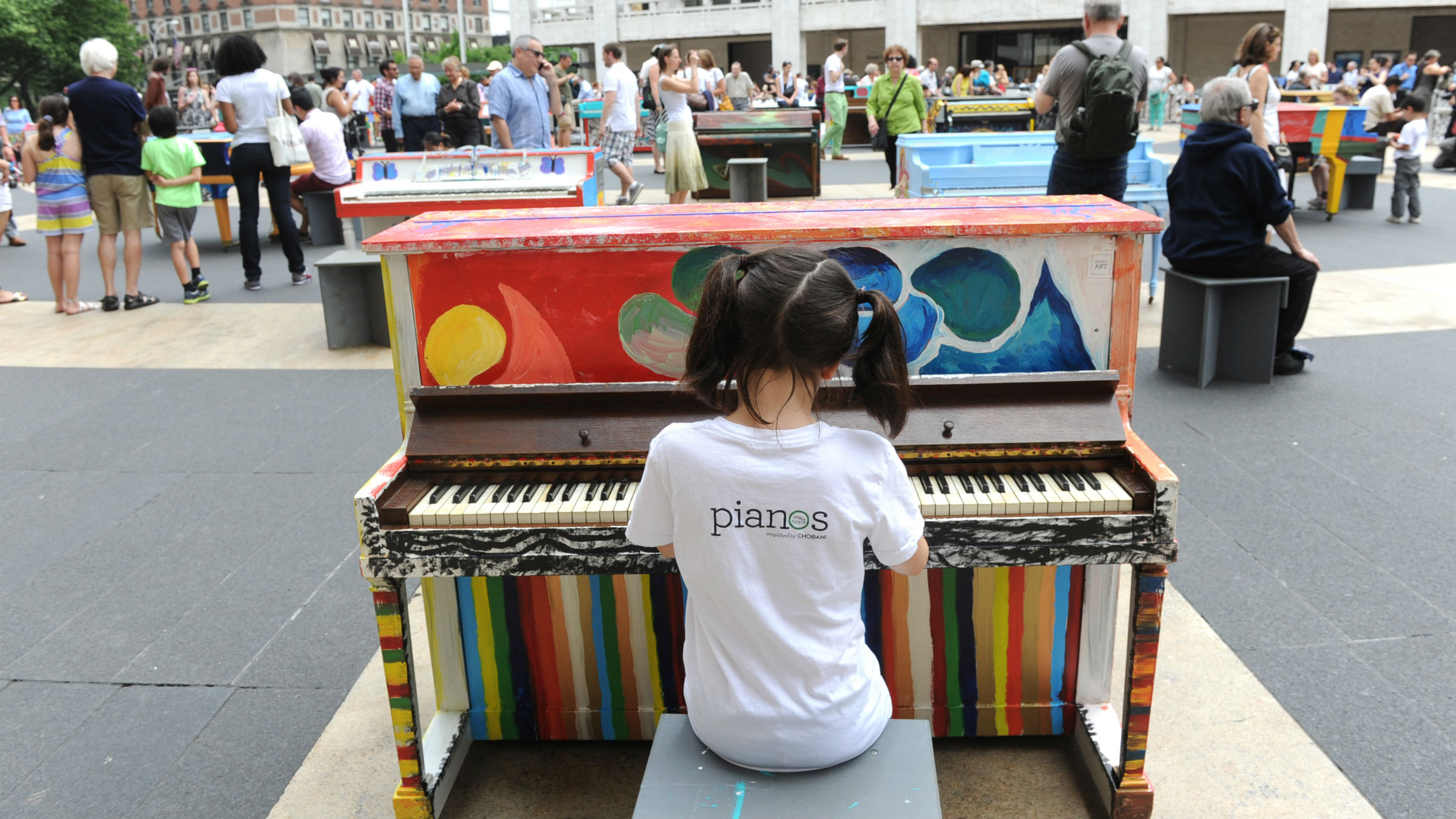 Learning music is children's play.