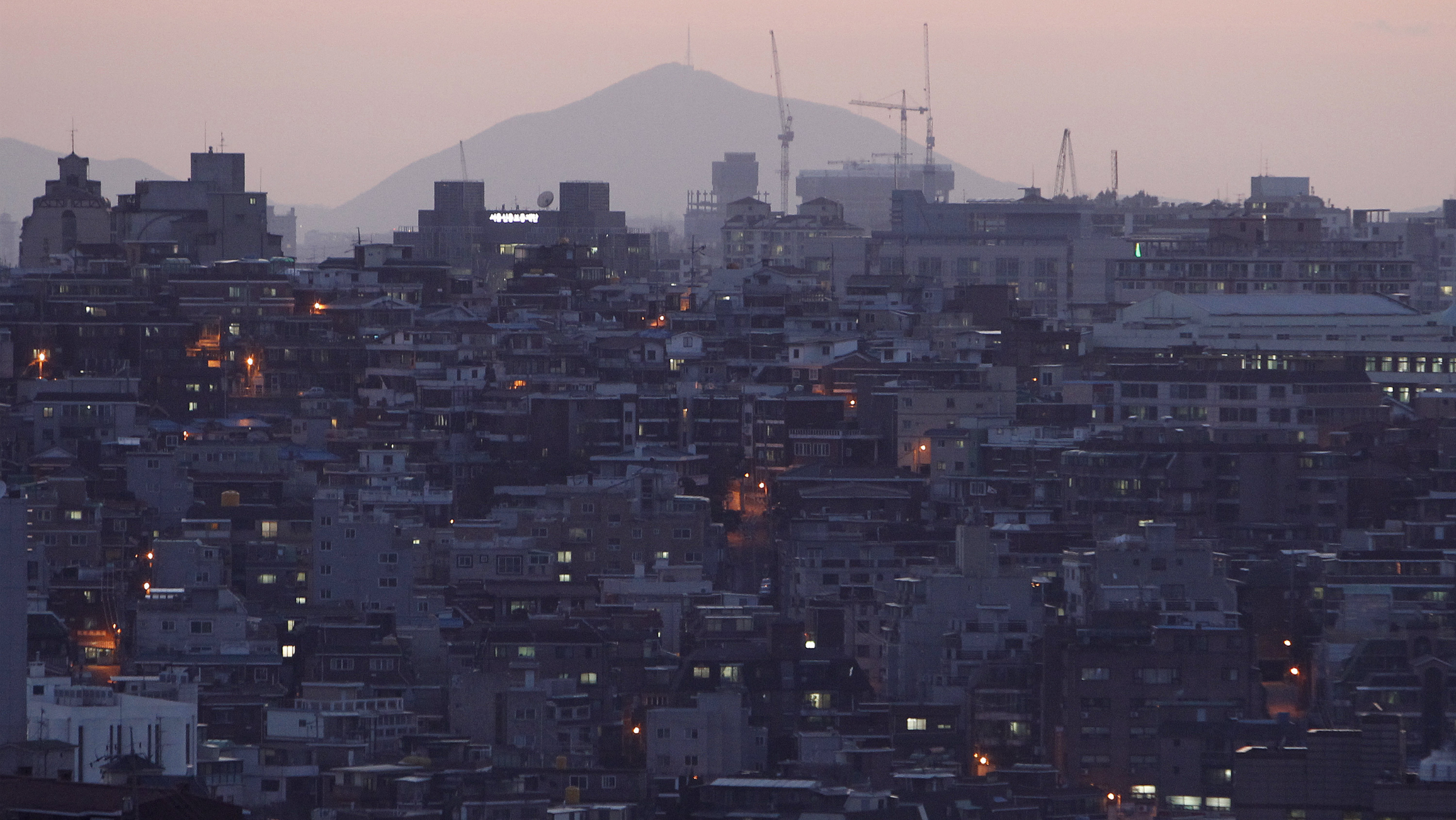 It takes $290,000 in cash to rent an apartment in Seoul — Quartz