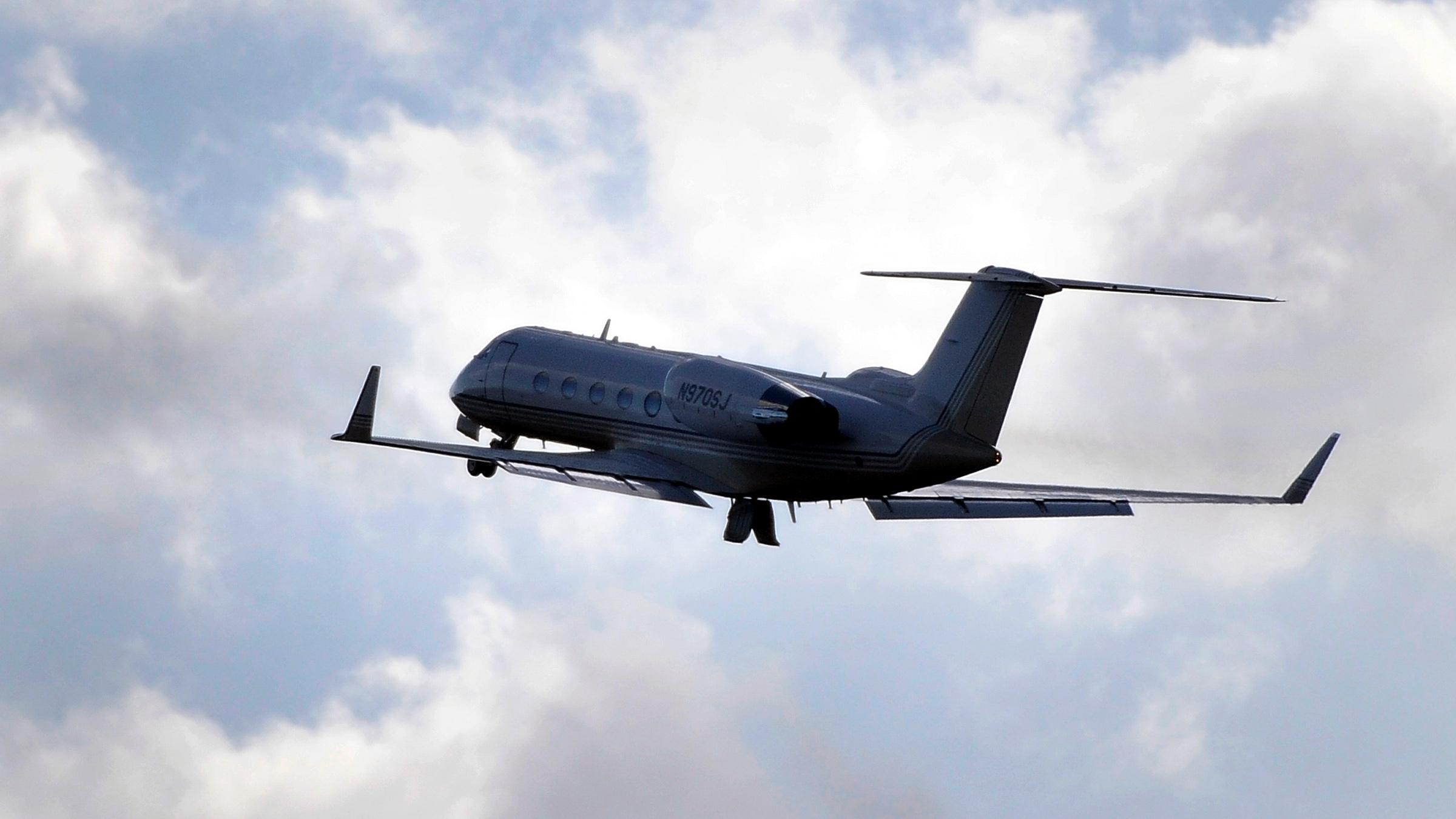 corp-jet-040714