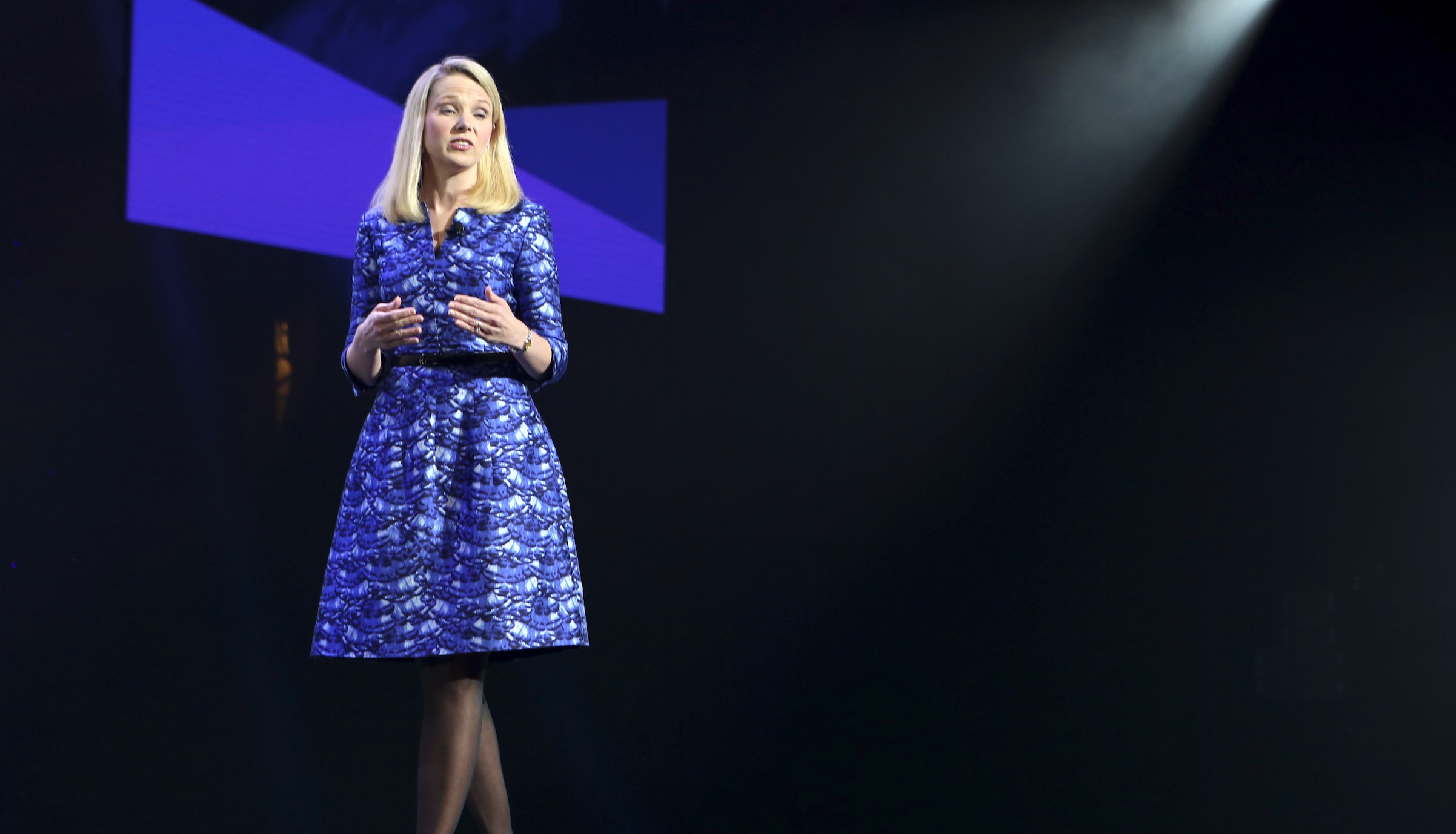 Yahoo CEO Marissa Mayer speaks during her keynote address at the annual Consumer Electronics Show (CES) in Las Vegas, Nevada January 7, 2014. REUTERS/Robert Galbraith  (UNITED STATES - Tags: SCIENCE TECHNOLOGY BUSINESS) - RTX175NU