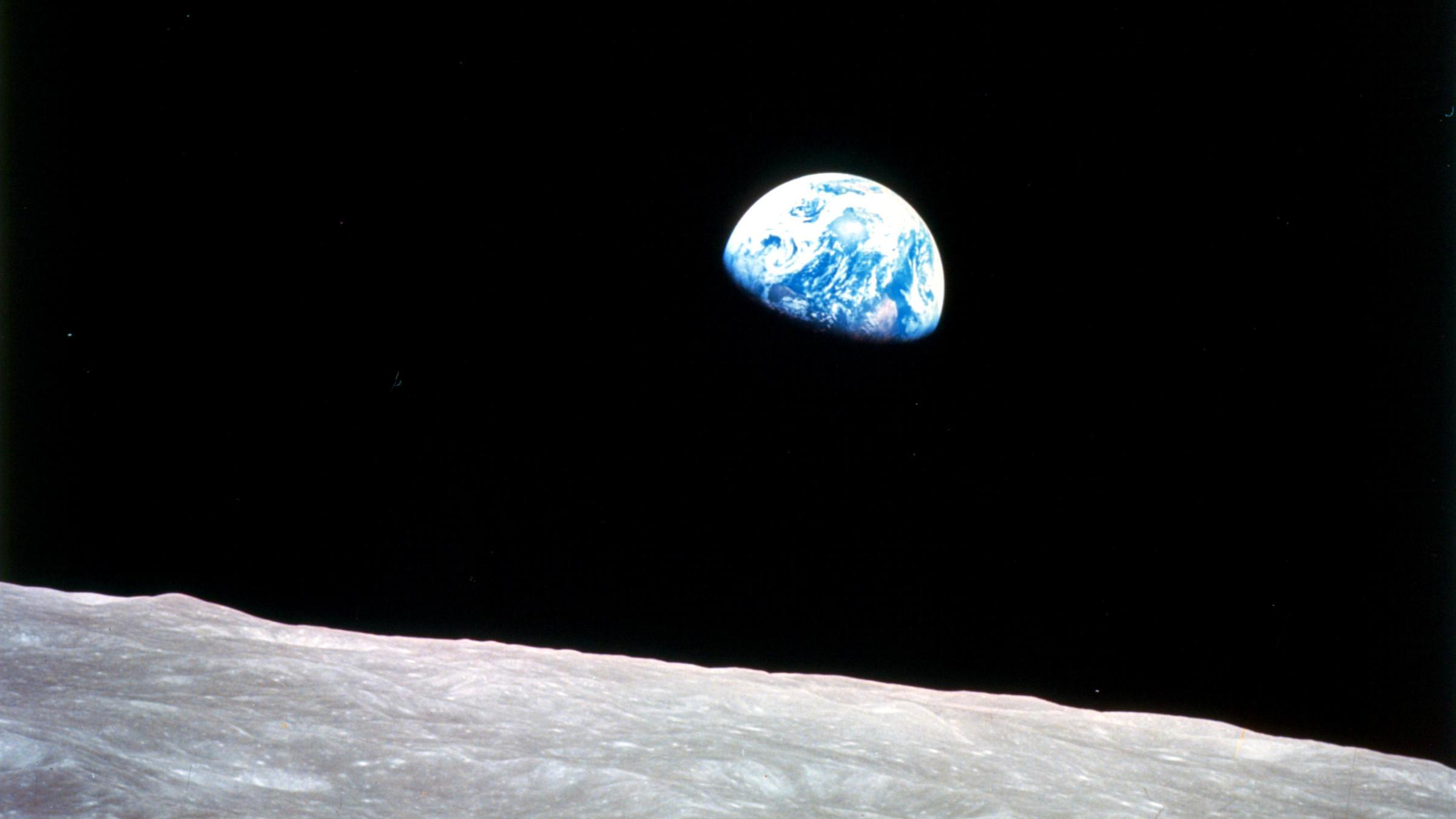 earthrise-051314