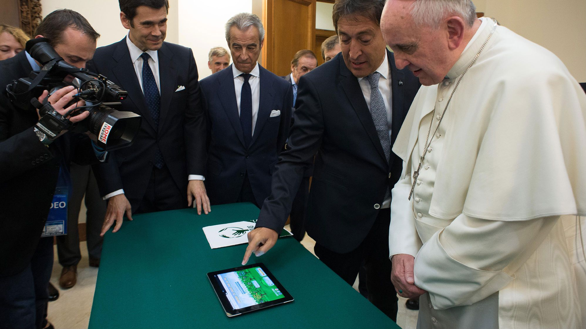 Pope Francis iPad