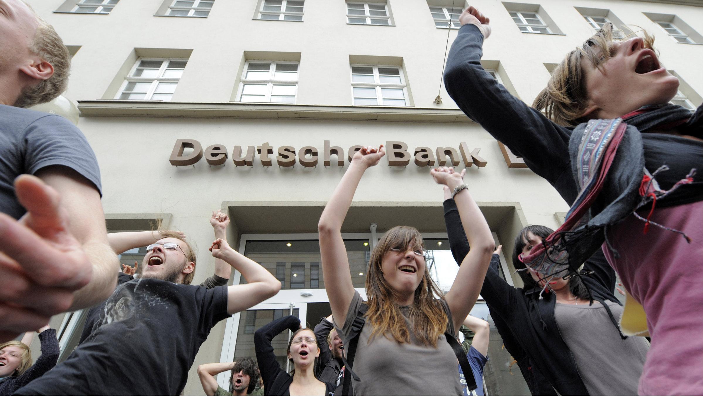 Deustche Bank bank customers
