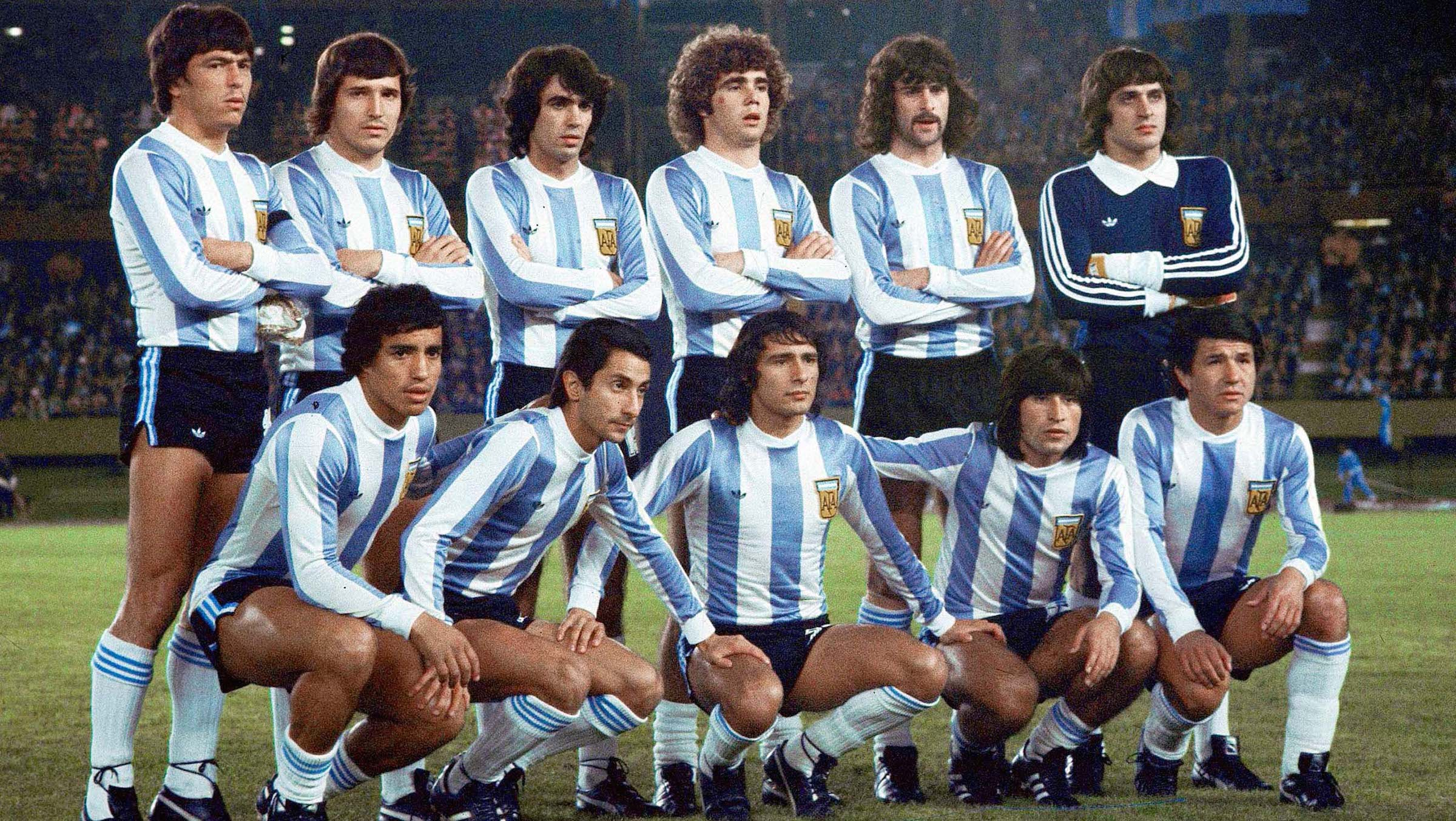 """FILE - In this June 25, 1978 file photo the Argentina soccer team players pose prior to the start of the World Cup final in Buenos Aires, Argentina. Argentina defeated the Netherlands 3-1. A FIFA-hosted conference on World Cup history has been told that football's biggest prize was twice won with the help of dictators fixing matches for the host team. According to """"The Relevance and Impact of FIFA World Cups"""" symposium, Argentina's triumph in 1978 and Italy's 1934 victory were influenced by military leaders seeking propaganda coups. (AP Photo/Carlo Fumagalli, File)"""