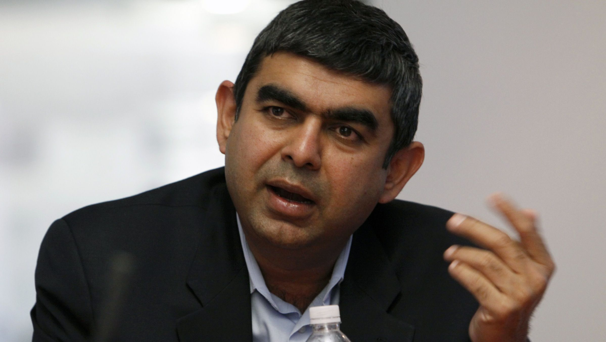 Vishal Sikka, Chief Technology Officer for SAP AG, speaks at the Reuters Global Technology Summit in New York May 21, 2009. REUTERS/Brendan McDermid (UNITED STATES BUSINESS SCI TECH) - RTXKSSI