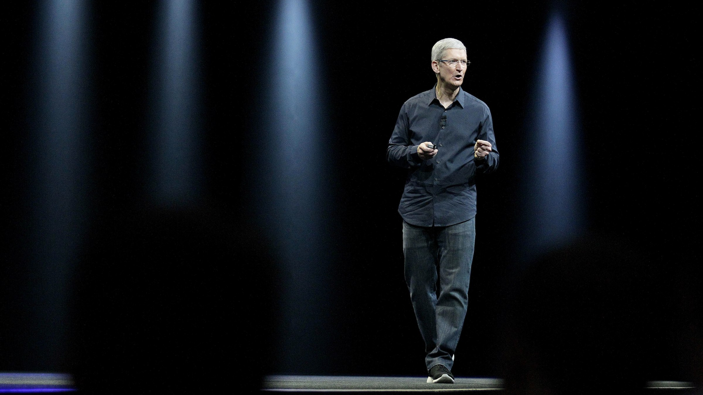 Apple CEO Tim Cook speaks at an Apple Worldwide Developers Conference event in San Francisco, Monday, June 2, 2014. (AP Photo/Jeff Chiu)