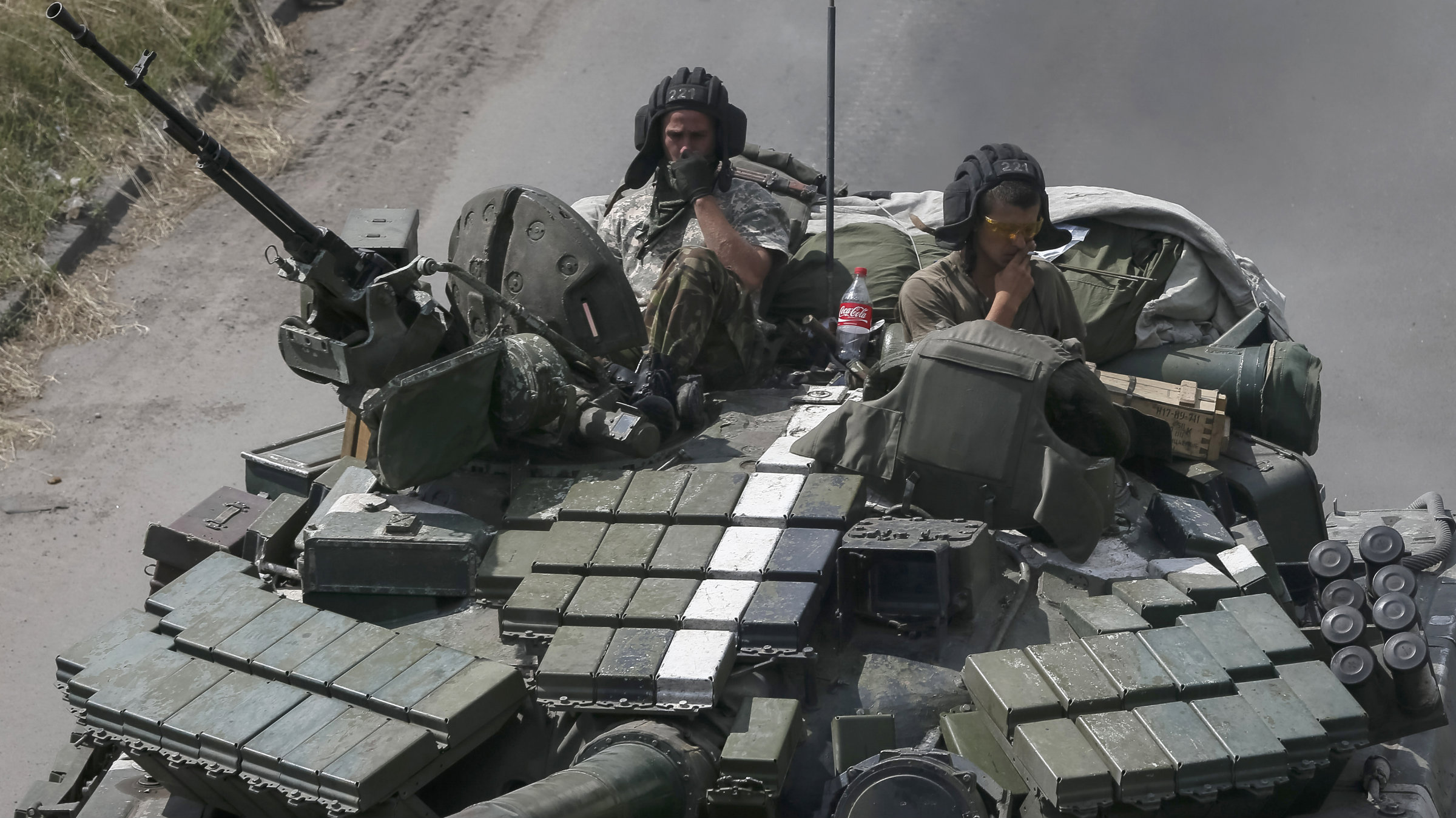 Ukranian troops trying to seize back the city of Donetsk from separatists.