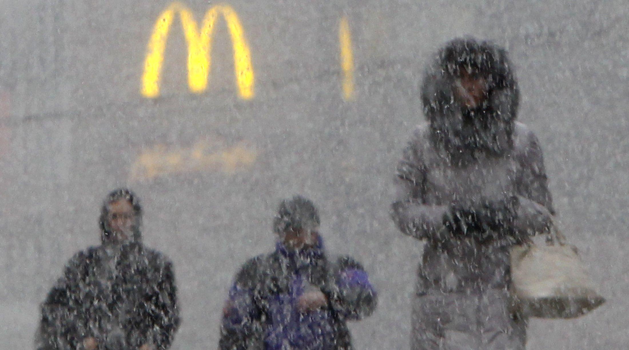 Mcdonald's logo heavy snow Moscow 2011